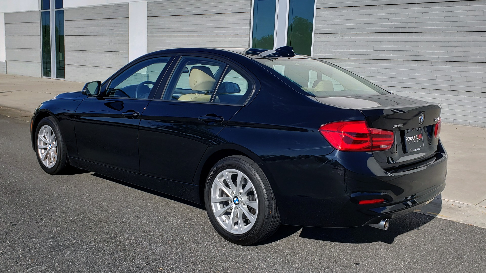 Used 2018 BMW 3 SERIES 320IXDRIVE 2.0L SEDAN / HEATED SEATS / REARVIEW for sale $26,795 at Formula Imports in Charlotte NC 28227 5