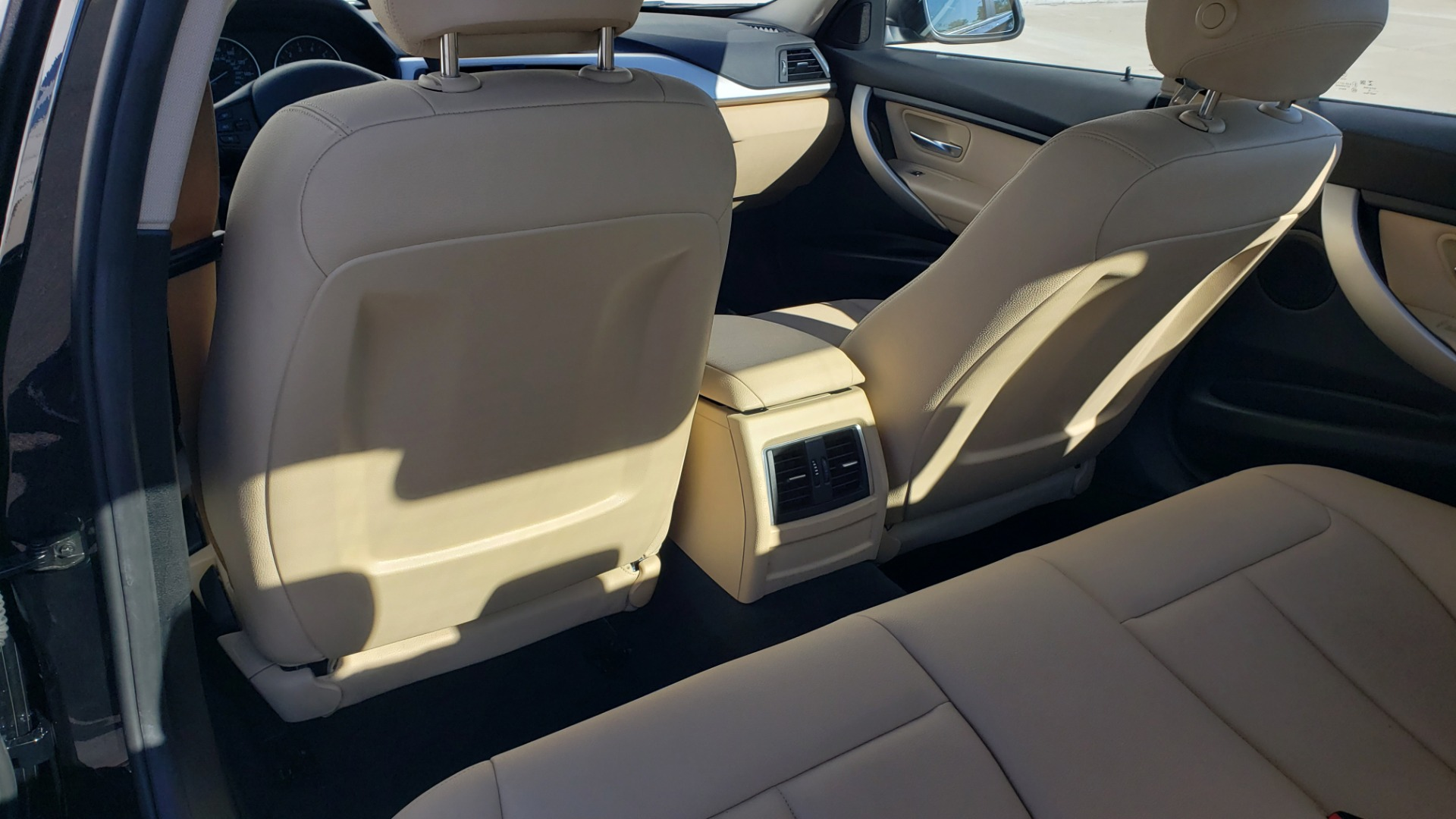 Used 2018 BMW 3 SERIES 320IXDRIVE 2.0L SEDAN / HEATED SEATS / REARVIEW for sale $26,795 at Formula Imports in Charlotte NC 28227 55