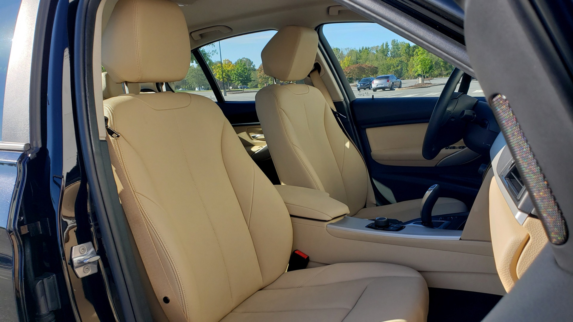 Used 2018 BMW 3 SERIES 320IXDRIVE 2.0L SEDAN / HEATED SEATS / REARVIEW for sale $26,795 at Formula Imports in Charlotte NC 28227 59