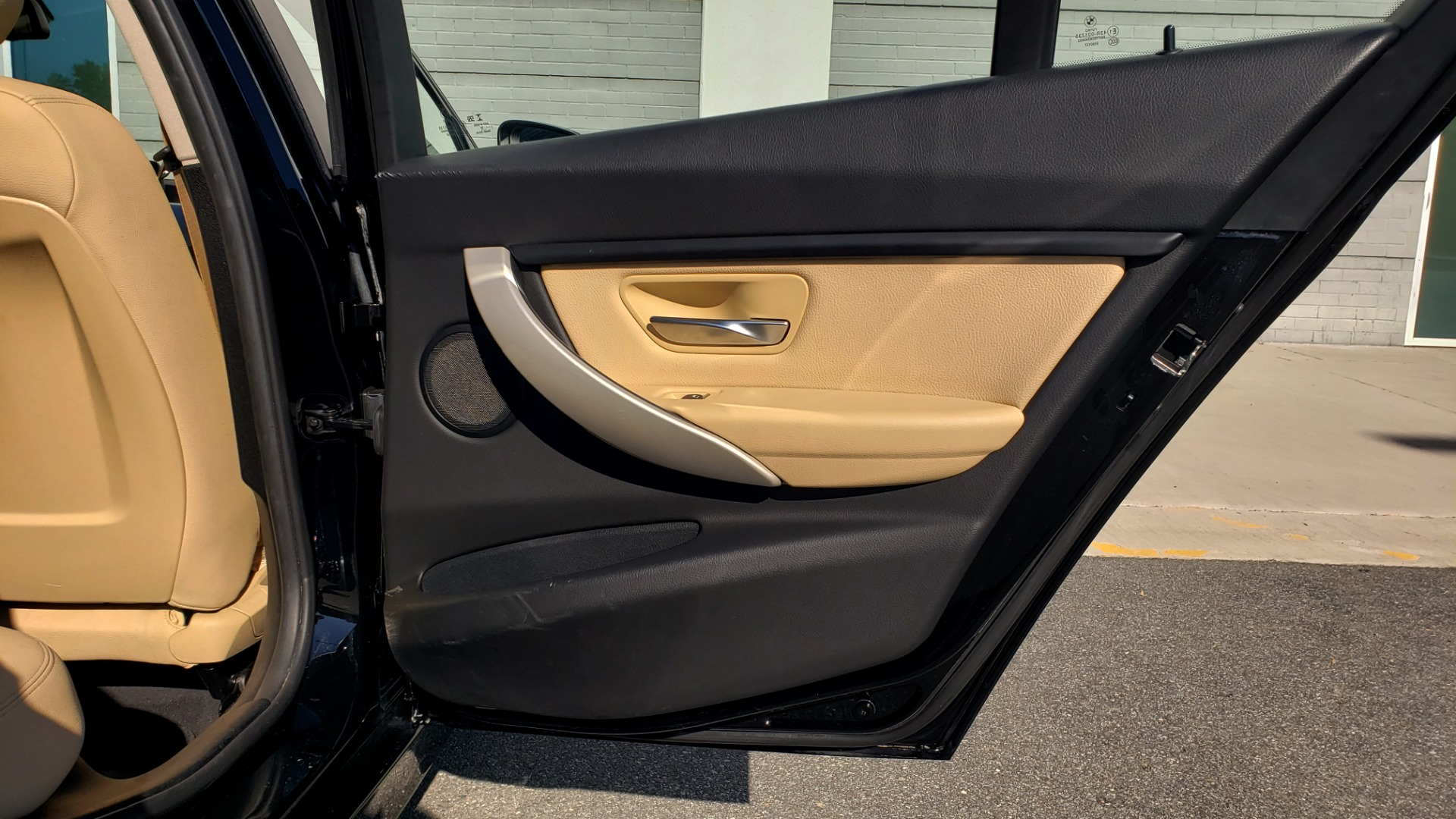 Used 2018 BMW 3 SERIES 320IXDRIVE 2.0L SEDAN / HEATED SEATS / REARVIEW for sale $26,795 at Formula Imports in Charlotte NC 28227 61