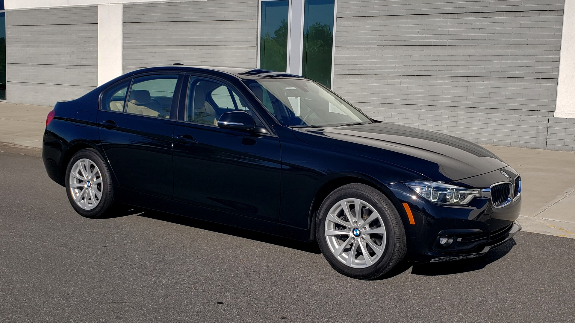 Used 2018 BMW 3 SERIES 320IXDRIVE 2.0L SEDAN / HEATED SEATS / REARVIEW for sale $26,795 at Formula Imports in Charlotte NC 28227 9