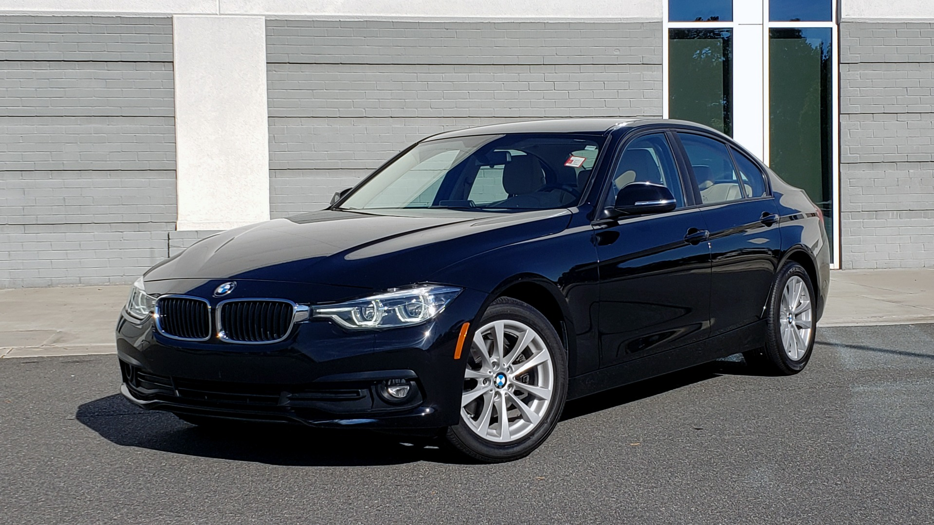 Used 2018 BMW 3 SERIES 320IXDRIVE 2.0L SEDAN / HEATED SEATS / REARVIEW for sale $26,795 at Formula Imports in Charlotte NC 28227 1