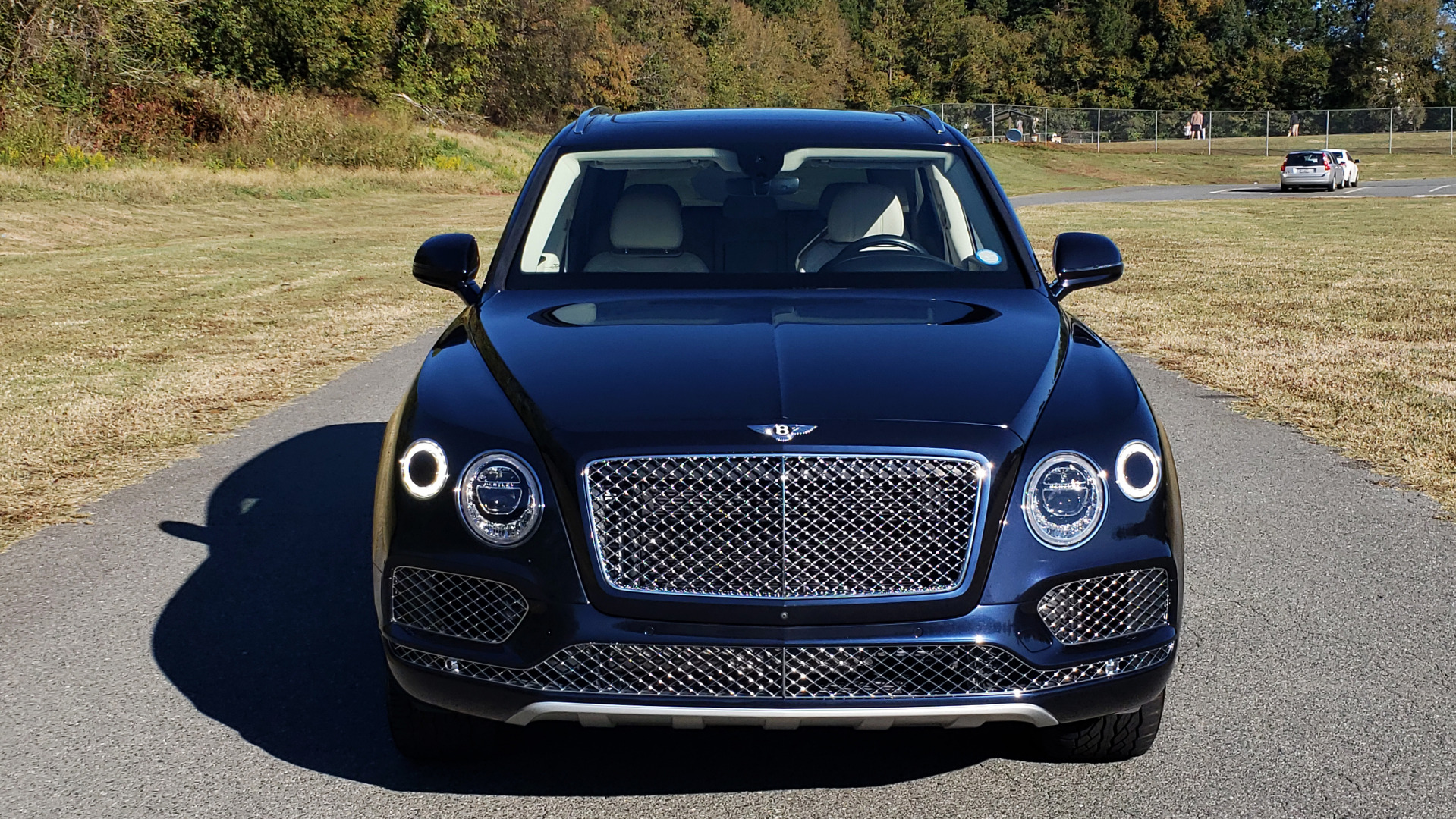 Used 2017 Bentley BENTAYGA W12 600HP / NAV / AWD / PANO-ROOF / BACK-UP CAMERA for sale $139,995 at Formula One Imports in Charlotte NC 28227 13