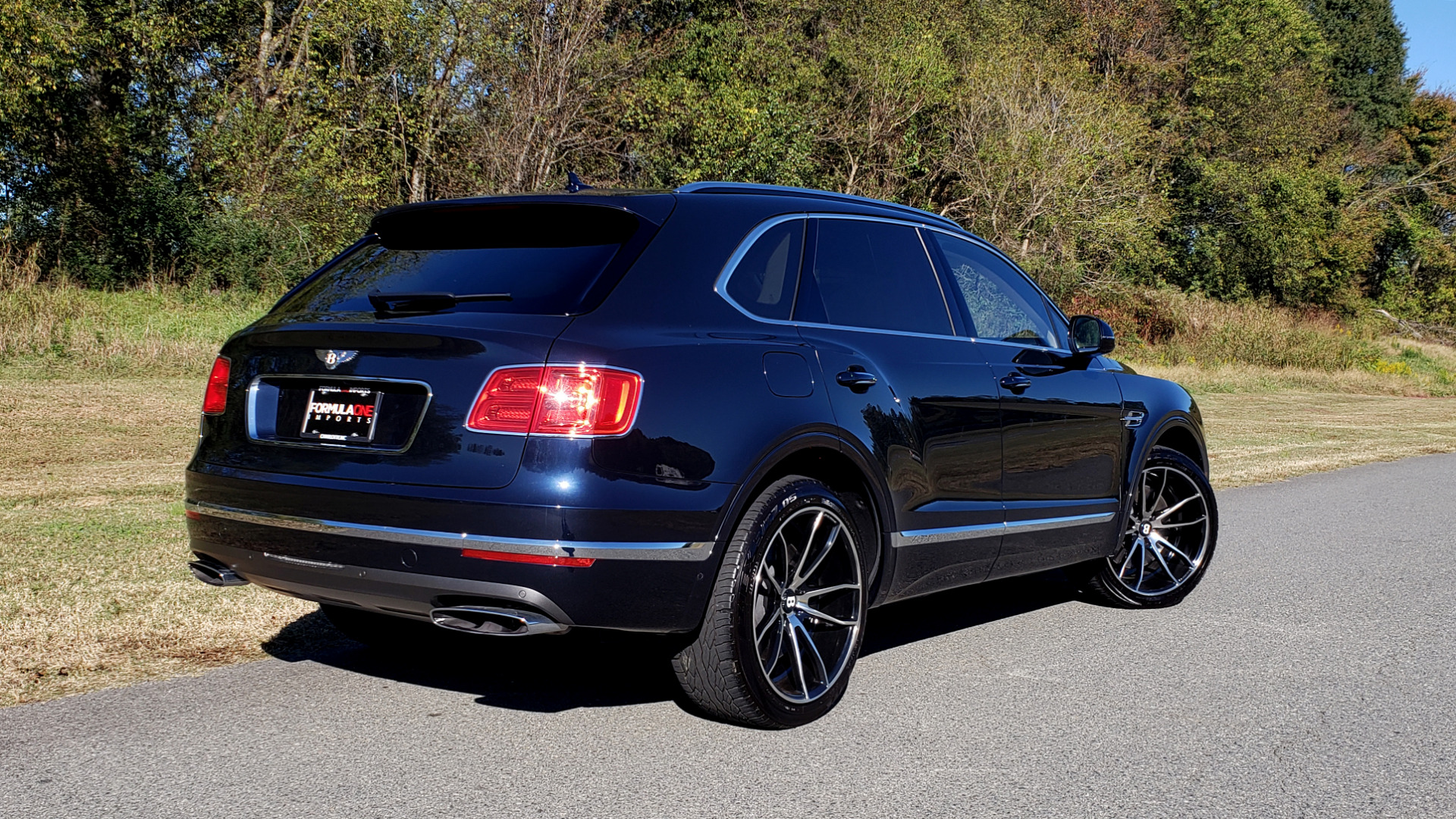 Used 2017 Bentley BENTAYGA W12 600HP / NAV / AWD / PANO-ROOF / BACK-UP CAMERA for sale Sold at Formula Imports in Charlotte NC 28227 20