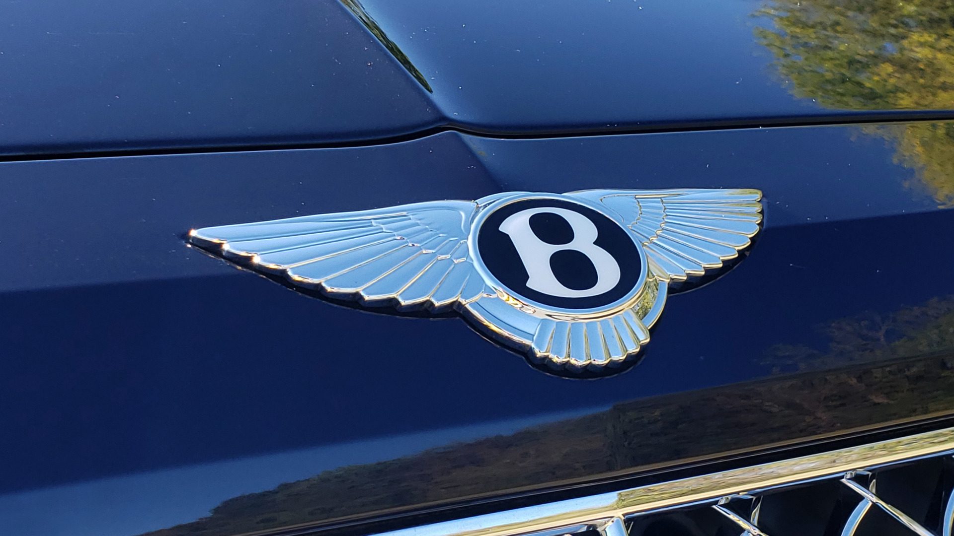 Used 2017 Bentley BENTAYGA W12 600HP / NAV / AWD / PANO-ROOF / BACK-UP CAMERA for sale $139,995 at Formula One Imports in Charlotte NC 28227 32