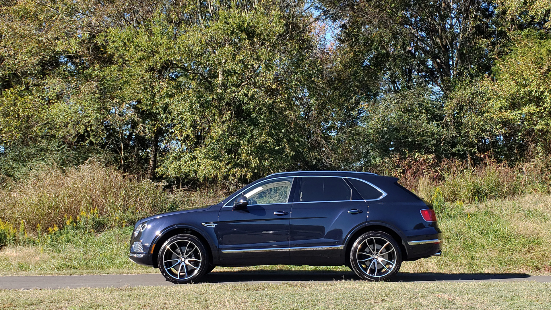 Used 2017 Bentley BENTAYGA W12 600HP / NAV / AWD / PANO-ROOF / BACK-UP CAMERA for sale Sold at Formula Imports in Charlotte NC 28227 51