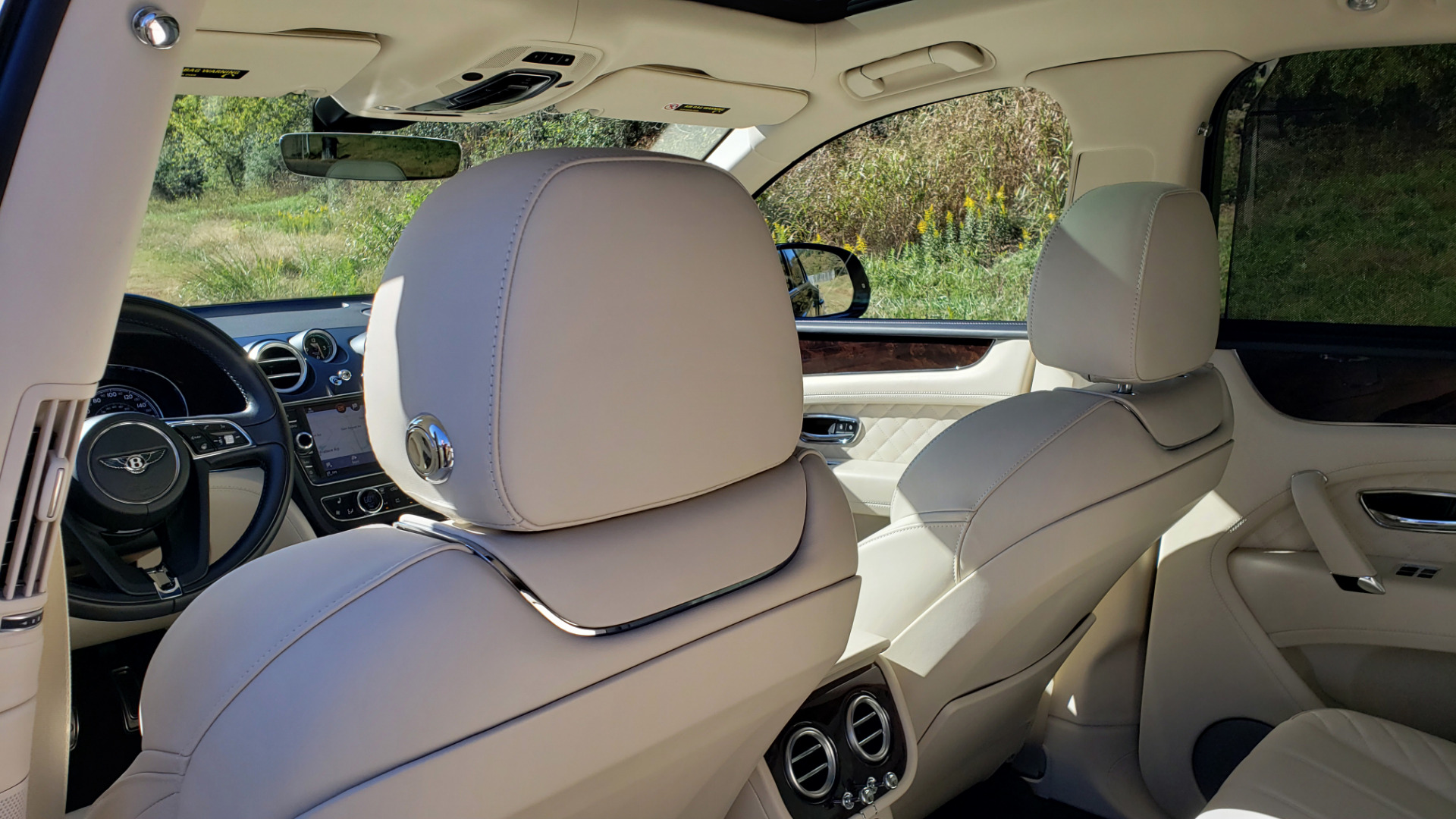 Used 2017 Bentley BENTAYGA W12 600HP / NAV / AWD / PANO-ROOF / BACK-UP CAMERA for sale $139,995 at Formula One Imports in Charlotte NC 28227 85