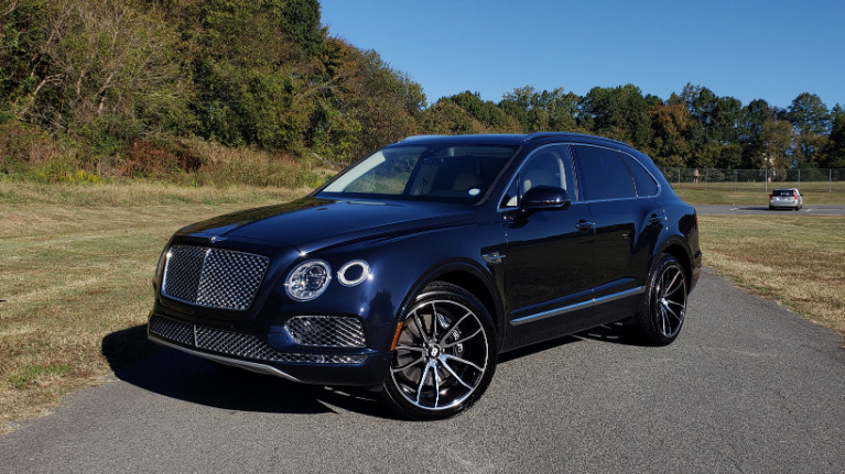 Used 2017 Bentley BENTAYGA W12 600HP / NAV / AWD / PANO-ROOF / BACK-UP CAMERA for sale $141,995 at Formula One Imports in Charlotte NC