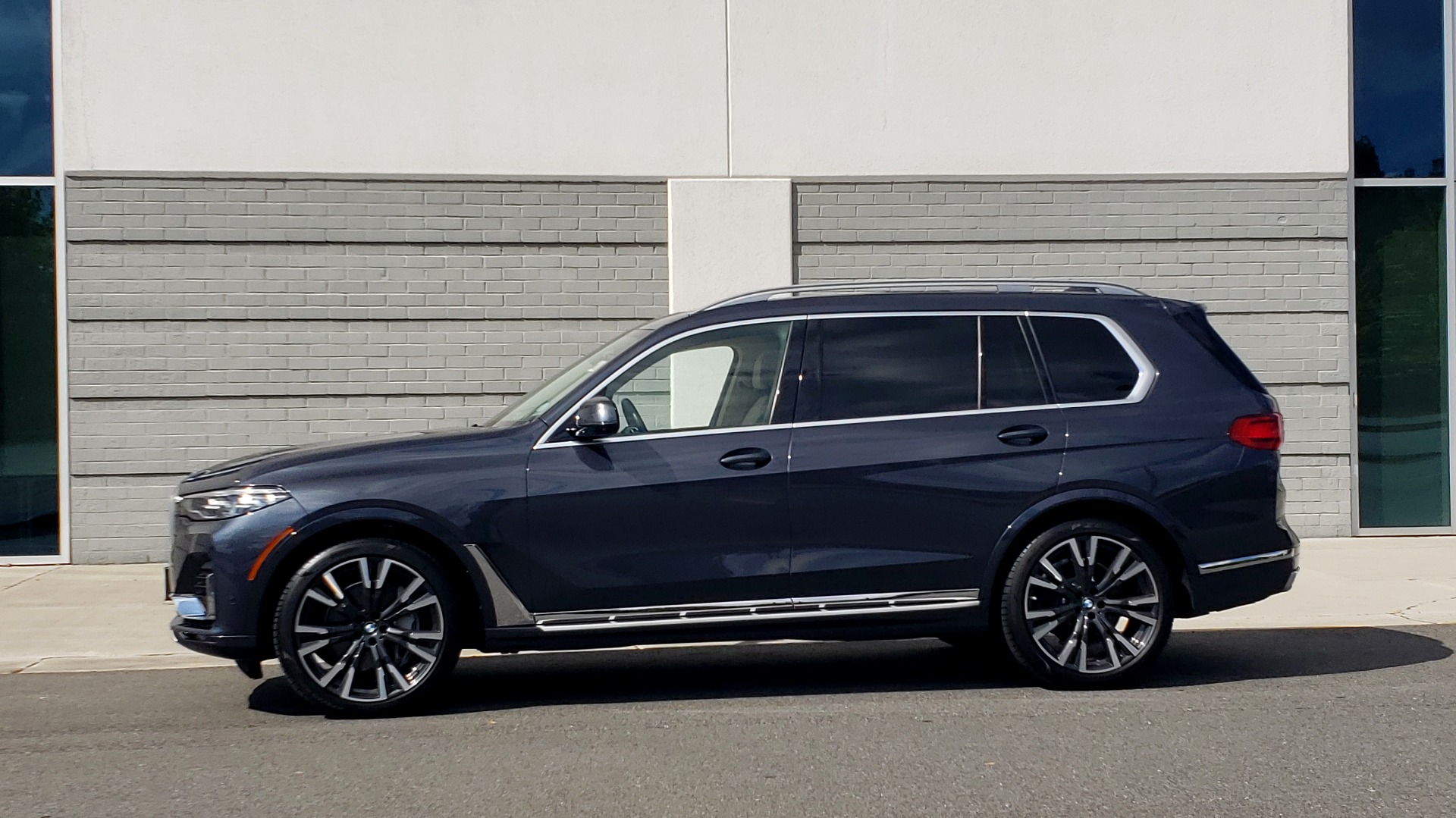 Used 2019 BMW X7 XDRIVE40I PREMIUM / LUXURY / COLD WEATHER / PARK ASST / PANORAMIC SKY / TOW for sale $75,999 at Formula Imports in Charlotte NC 28227 4
