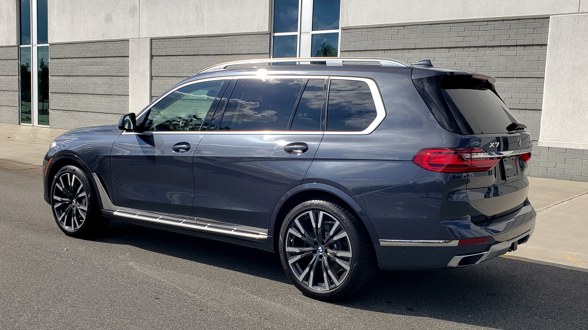 Used 2019 BMW X7 XDRIVE40I PREMIUM / LUXURY / COLD WEATHER / PARK ASST / PANORAMIC SKY / TOW for sale $75,999 at Formula Imports in Charlotte NC 28227 5