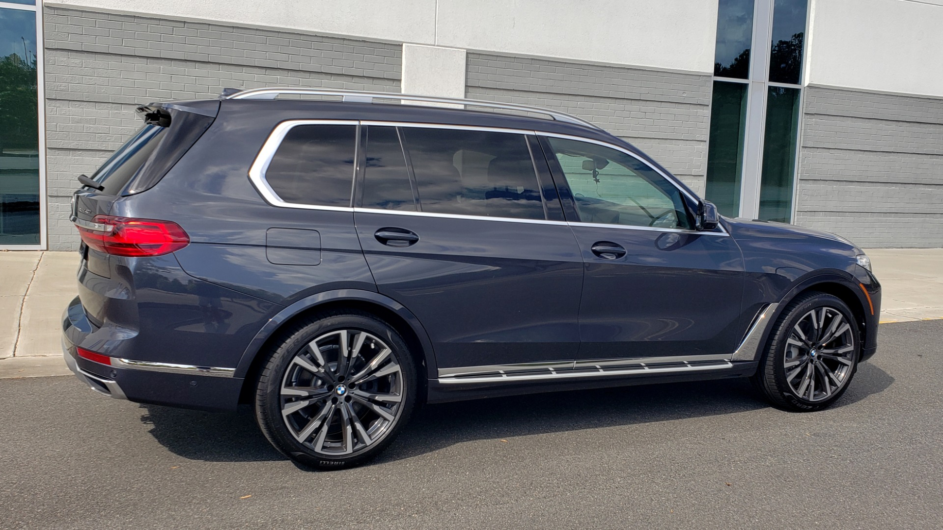 Used 2019 BMW X7 XDRIVE40I PREMIUM / LUXURY / COLD WEATHER / PARK ASST / PANORAMIC SKY / TOW for sale $75,999 at Formula Imports in Charlotte NC 28227 7