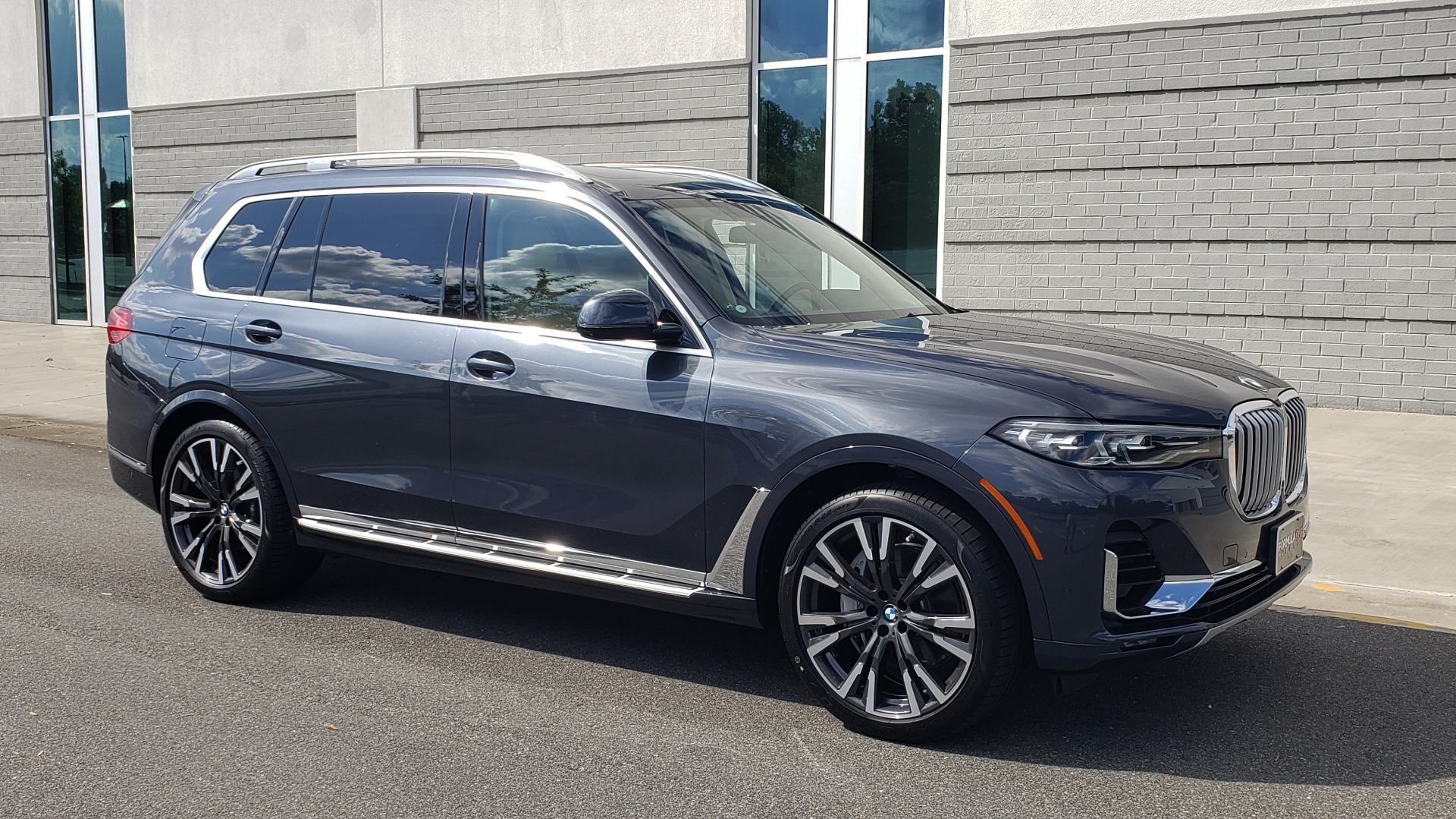 Used 2019 BMW X7 XDRIVE40I PREMIUM / LUXURY / COLD WEATHER / PARK ASST / PANORAMIC SKY / TOW for sale $75,999 at Formula Imports in Charlotte NC 28227 9