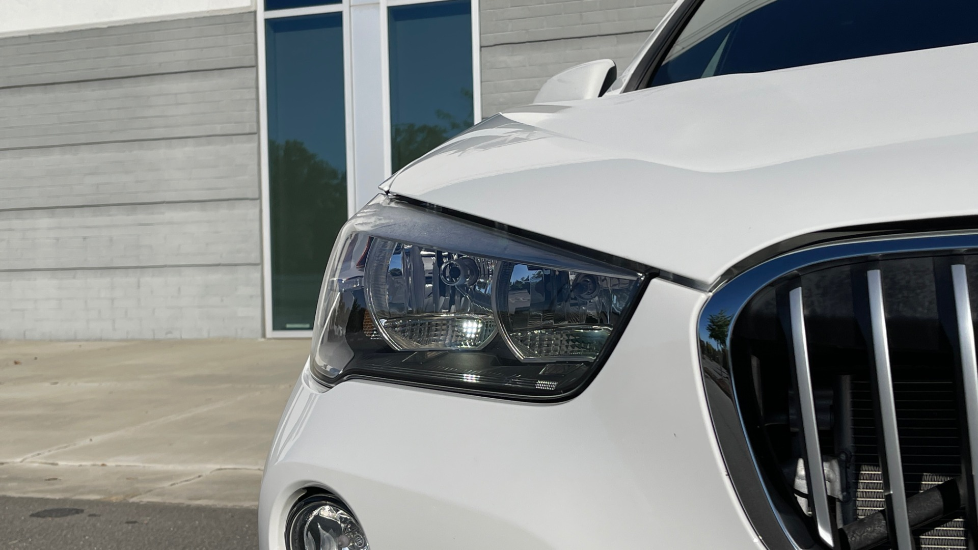 Used 2018 BMW X1 XDRIVE28I / CONV PKG / PANO-ROOF / PARK ASST / REARVIEW for sale $31,995 at Formula Imports in Charlotte NC 28227 12
