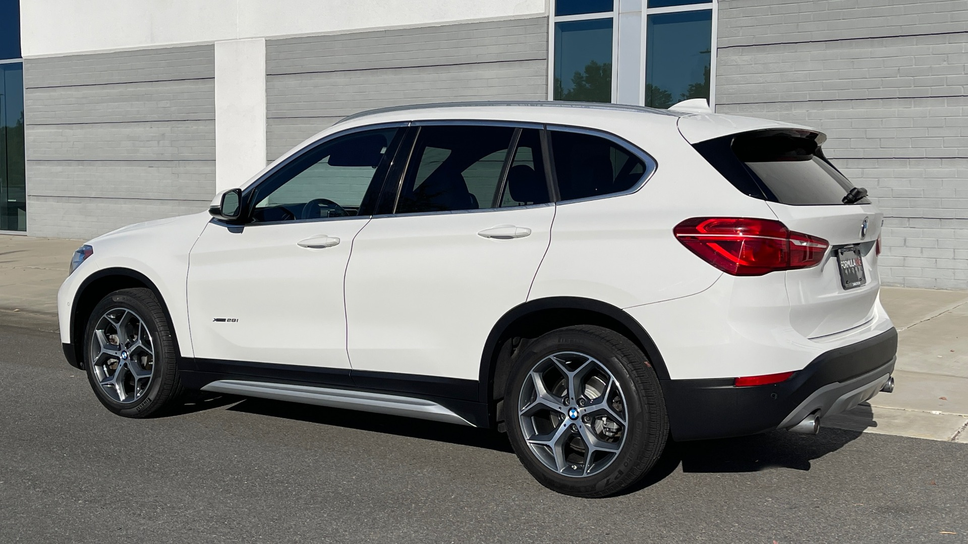 Used 2018 BMW X1 XDRIVE28I / CONV PKG / PANO-ROOF / PARK ASST / REARVIEW for sale $31,995 at Formula Imports in Charlotte NC 28227 4