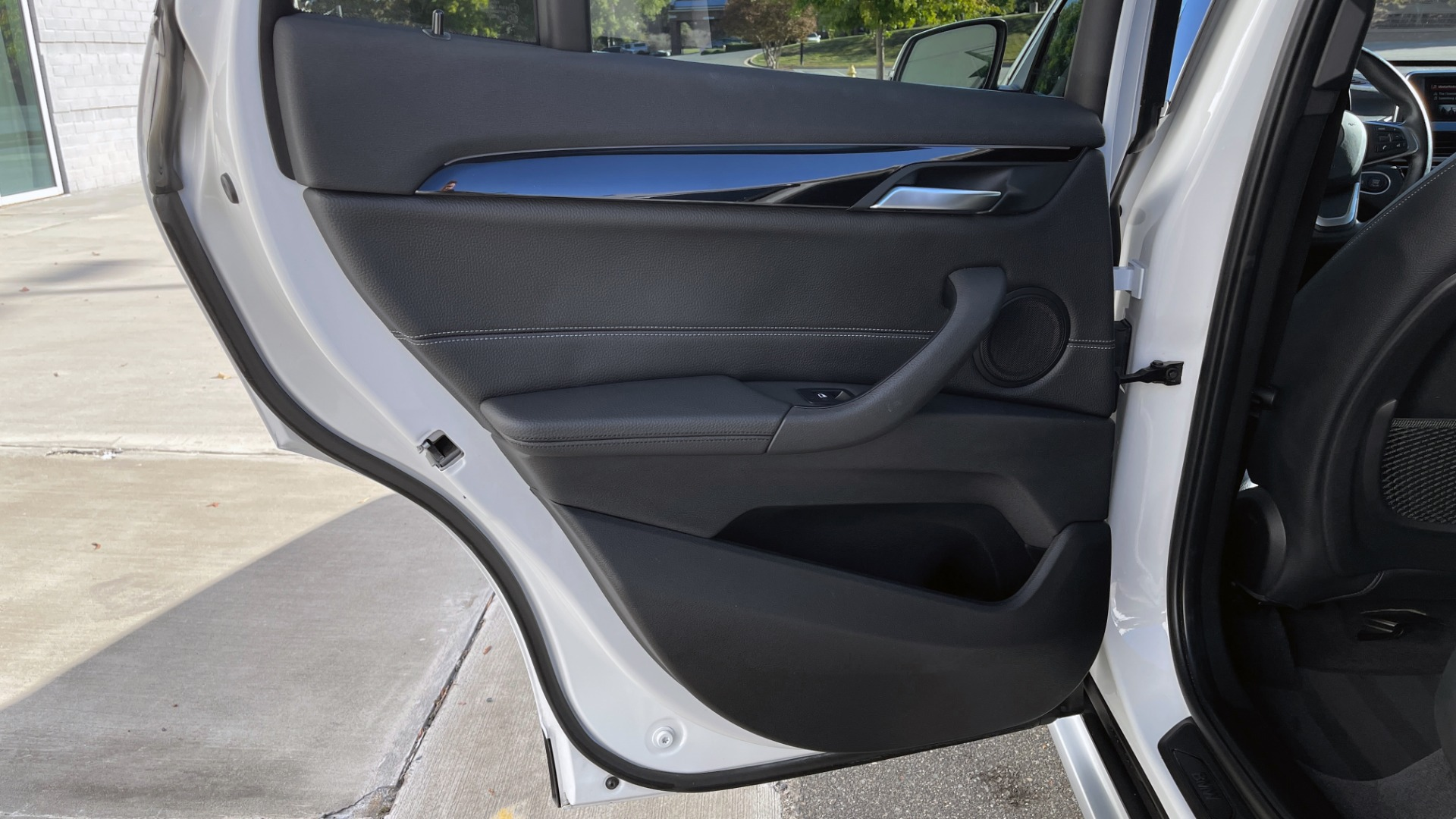 Used 2018 BMW X1 XDRIVE28I / CONV PKG / PANO-ROOF / PARK ASST / REARVIEW for sale $31,995 at Formula Imports in Charlotte NC 28227 42