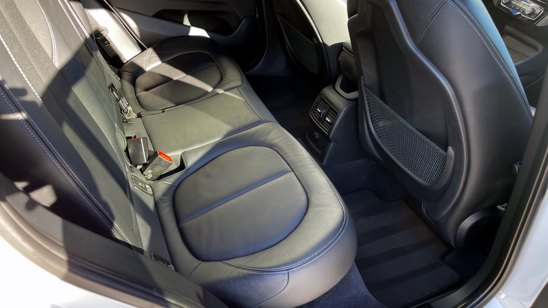 Used 2018 BMW X1 XDRIVE28I / CONV PKG / PANO-ROOF / PARK ASST / REARVIEW for sale $31,995 at Formula Imports in Charlotte NC 28227 51