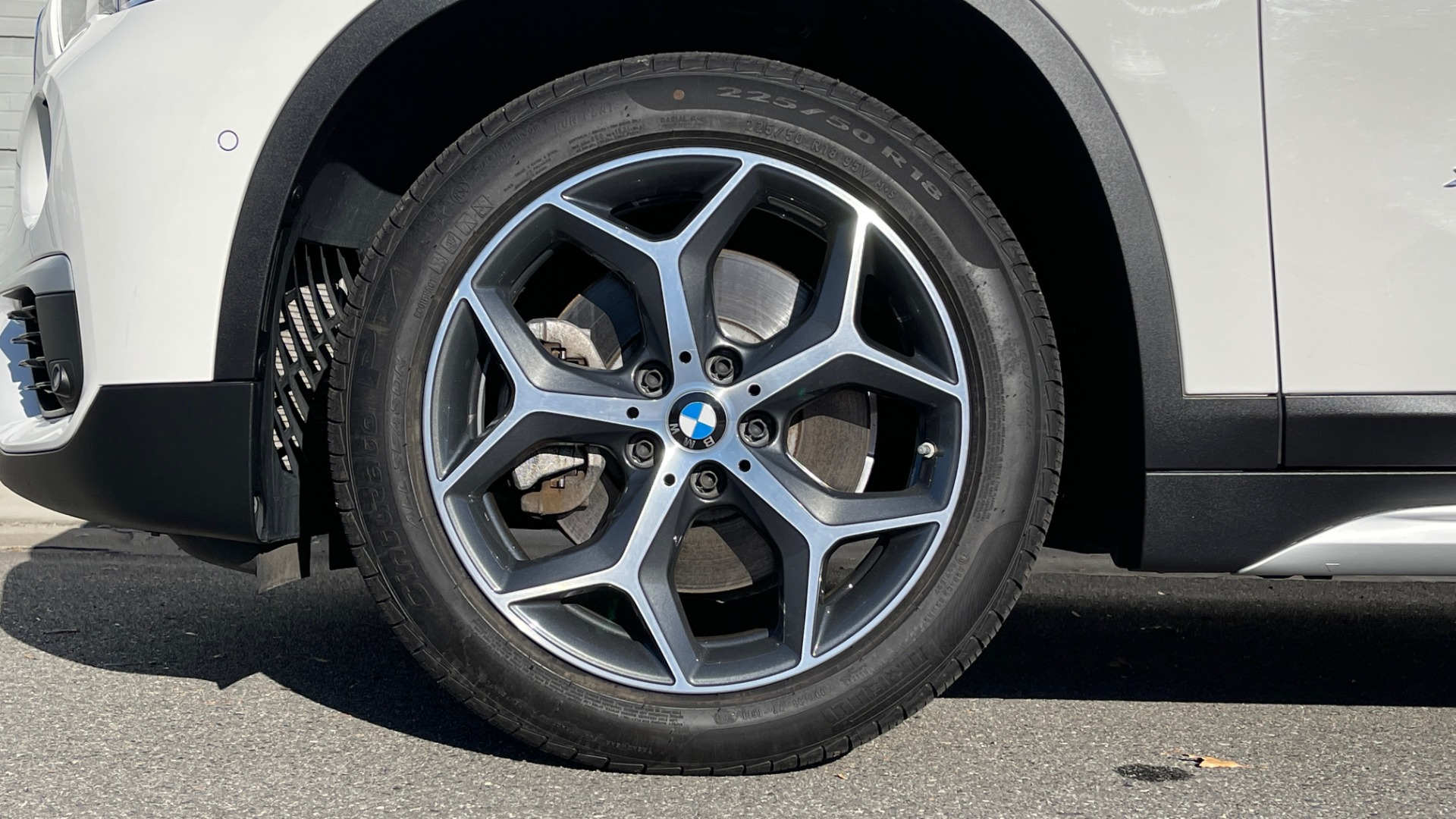Used 2018 BMW X1 XDRIVE28I / CONV PKG / PANO-ROOF / PARK ASST / REARVIEW for sale $31,995 at Formula Imports in Charlotte NC 28227 58