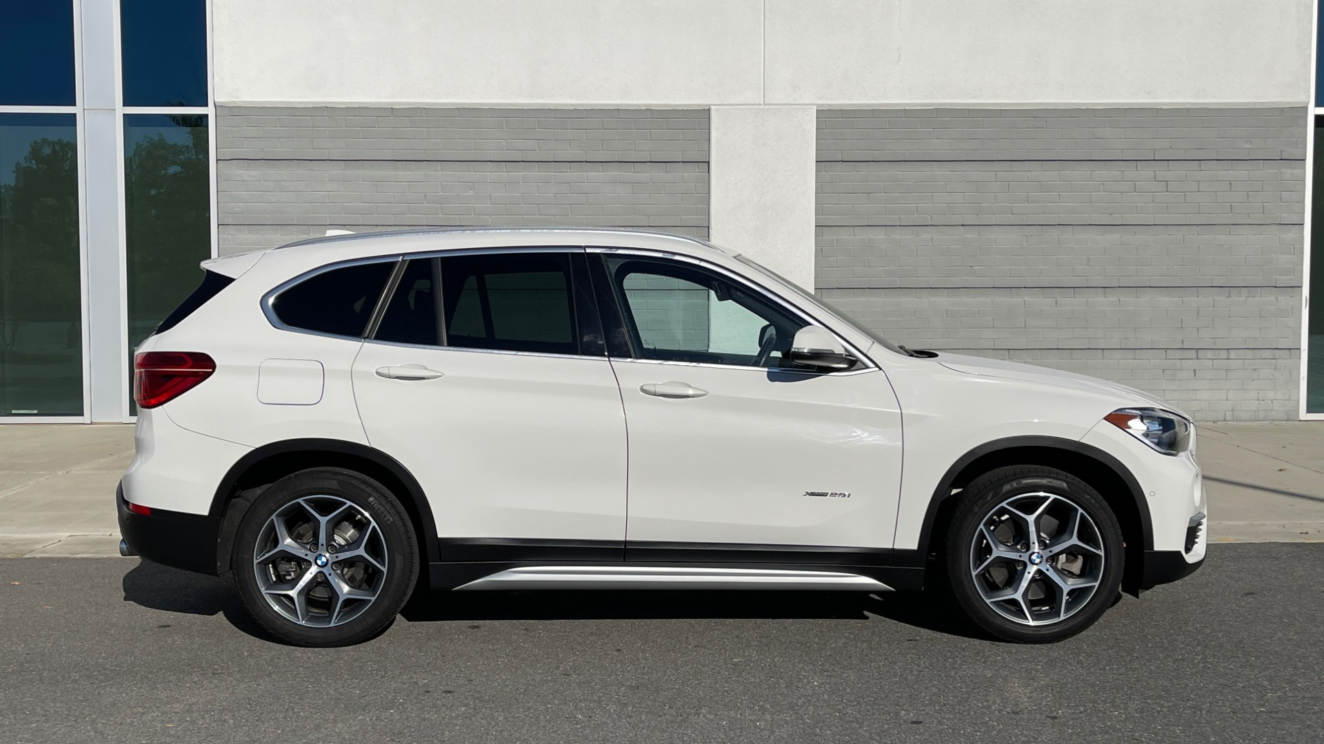 Used 2018 BMW X1 XDRIVE28I / CONV PKG / PANO-ROOF / PARK ASST / REARVIEW for sale $31,995 at Formula Imports in Charlotte NC 28227 6