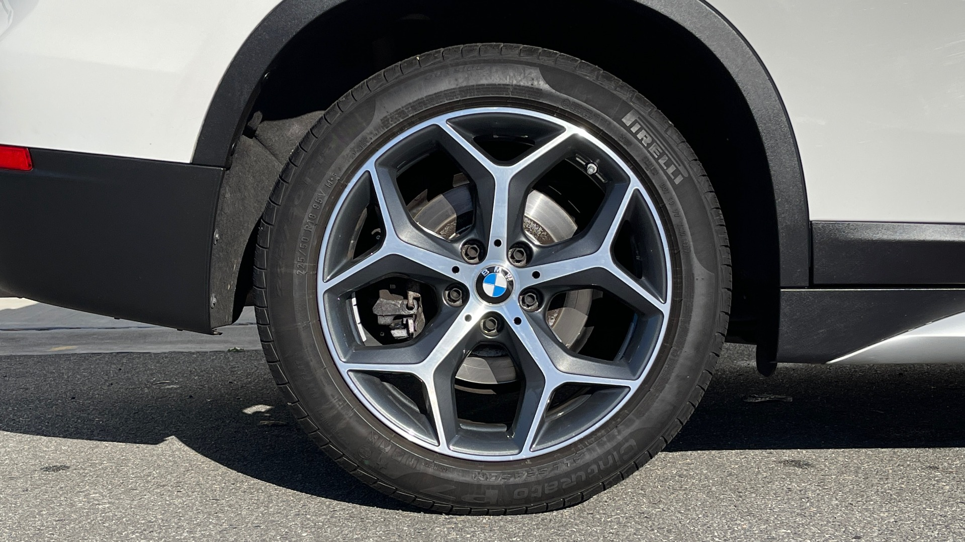 Used 2018 BMW X1 XDRIVE28I / CONV PKG / PANO-ROOF / PARK ASST / REARVIEW for sale $31,995 at Formula Imports in Charlotte NC 28227 60