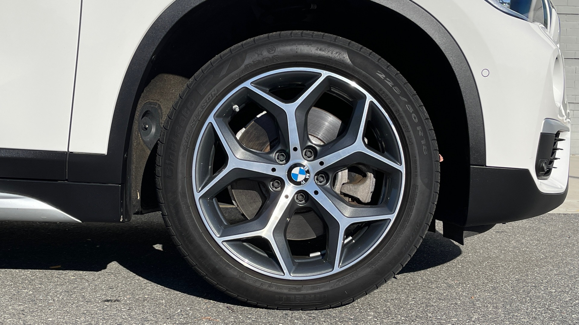 Used 2018 BMW X1 XDRIVE28I / CONV PKG / PANO-ROOF / PARK ASST / REARVIEW for sale $31,995 at Formula Imports in Charlotte NC 28227 61