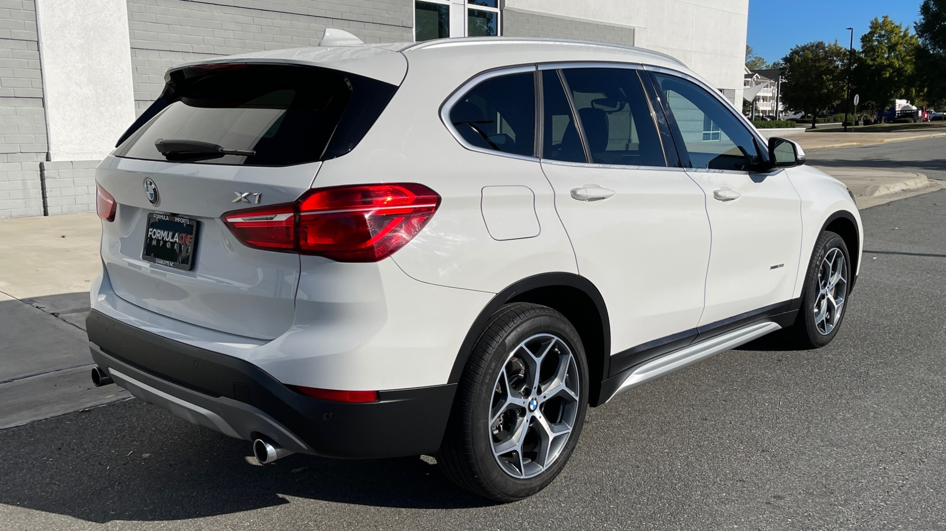 Used 2018 BMW X1 XDRIVE28I / CONV PKG / PANO-ROOF / PARK ASST / REARVIEW for sale $31,995 at Formula Imports in Charlotte NC 28227 7
