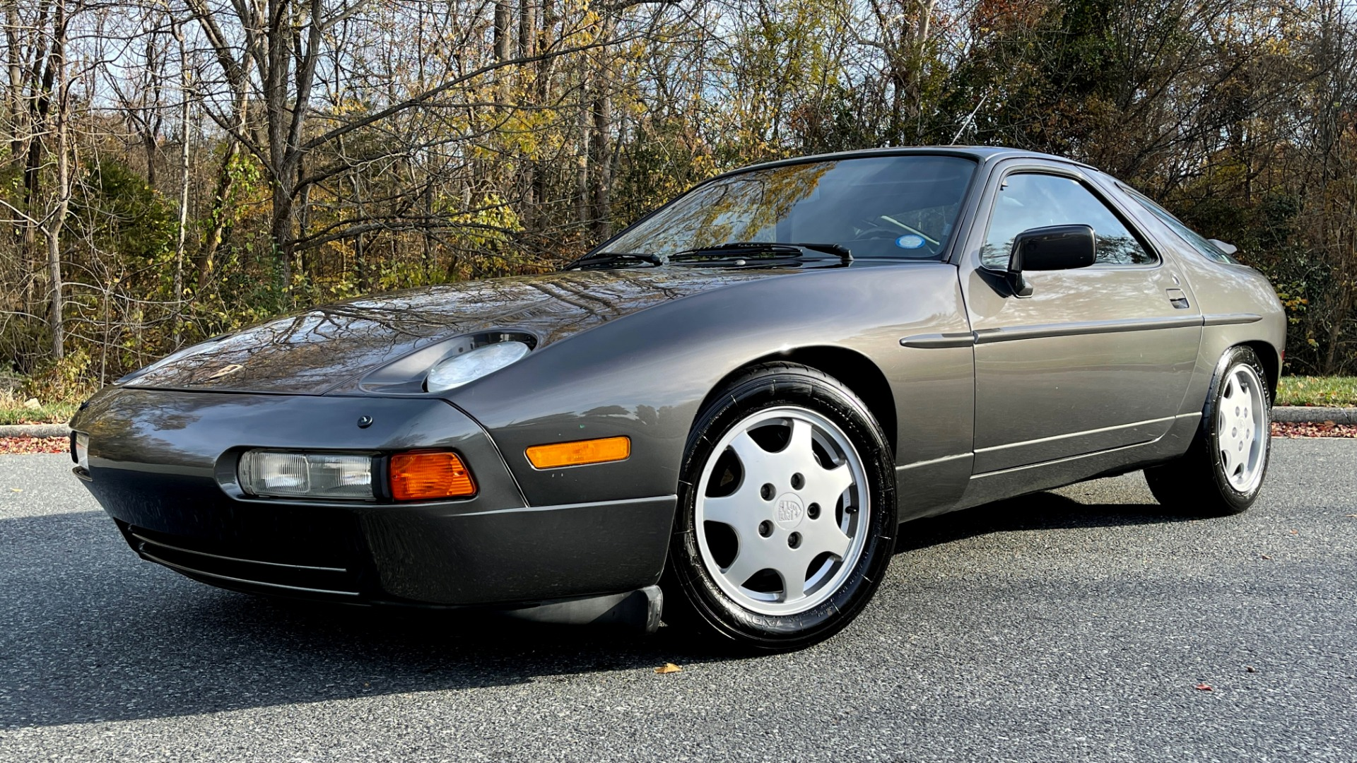 Used 1990 Porsche 928 GT COUPE / 5.0L V8 / 5-SPD MANUAL / LOW MILES for sale $43,999 at Formula Imports in Charlotte NC 28227 1