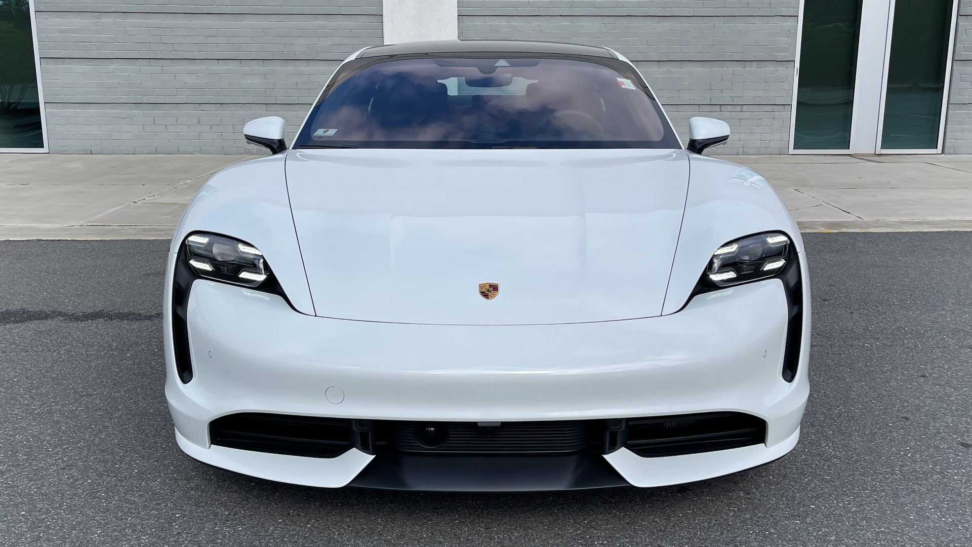 Used 2020 Porsche TAYCAN TURBO SEDAN / AWD / NAV / BOSE / PANO-ROOF / LCA / SURROUND VIEW for sale $162,995 at Formula Imports in Charlotte NC 28227 15