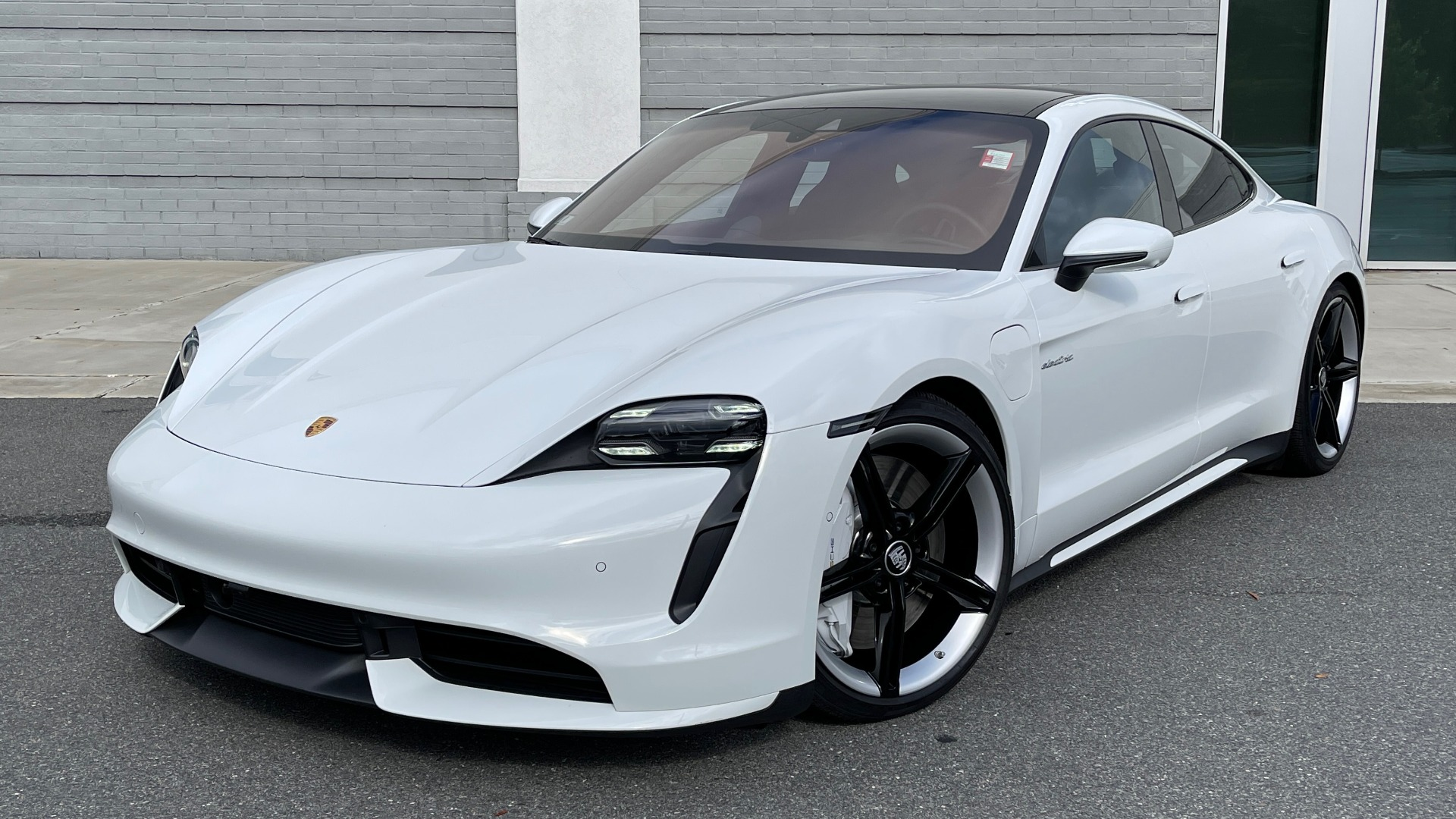 Used 2020 Porsche TAYCAN TURBO SEDAN / AWD / NAV / BOSE / PANO-ROOF / LCA / SURROUND VIEW for sale $162,995 at Formula Imports in Charlotte NC 28227 1