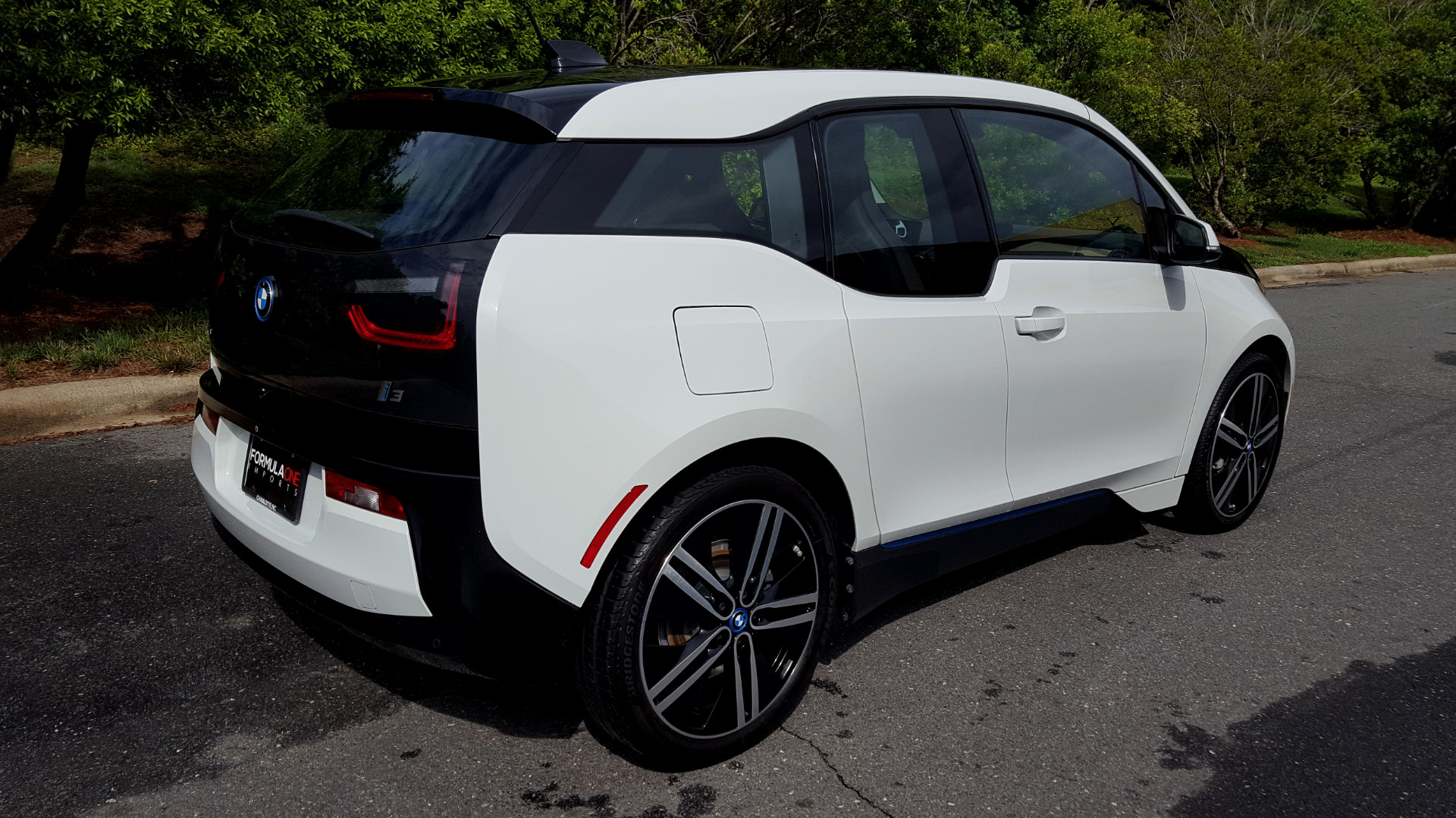 Used 2014 BMW i3 for sale Sold at Formula Imports in Charlotte NC 28227 11