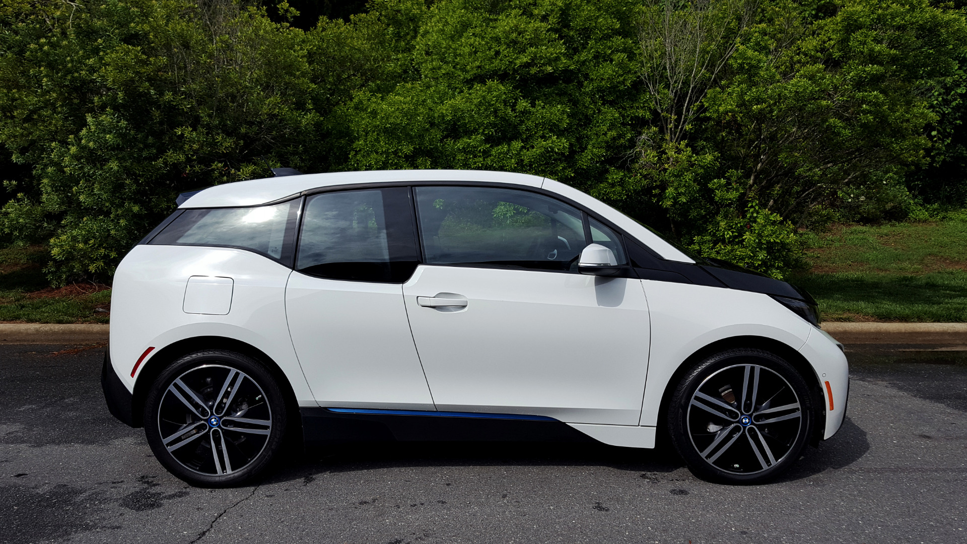 Used 2014 BMW i3 for sale Sold at Formula Imports in Charlotte NC 28227 12