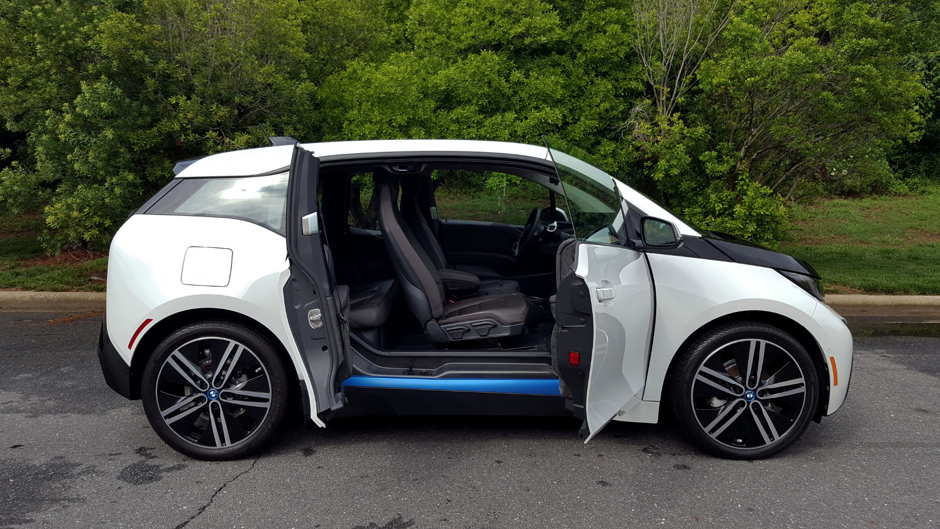 Used 2014 BMW i3 for sale Sold at Formula Imports in Charlotte NC 28227 16
