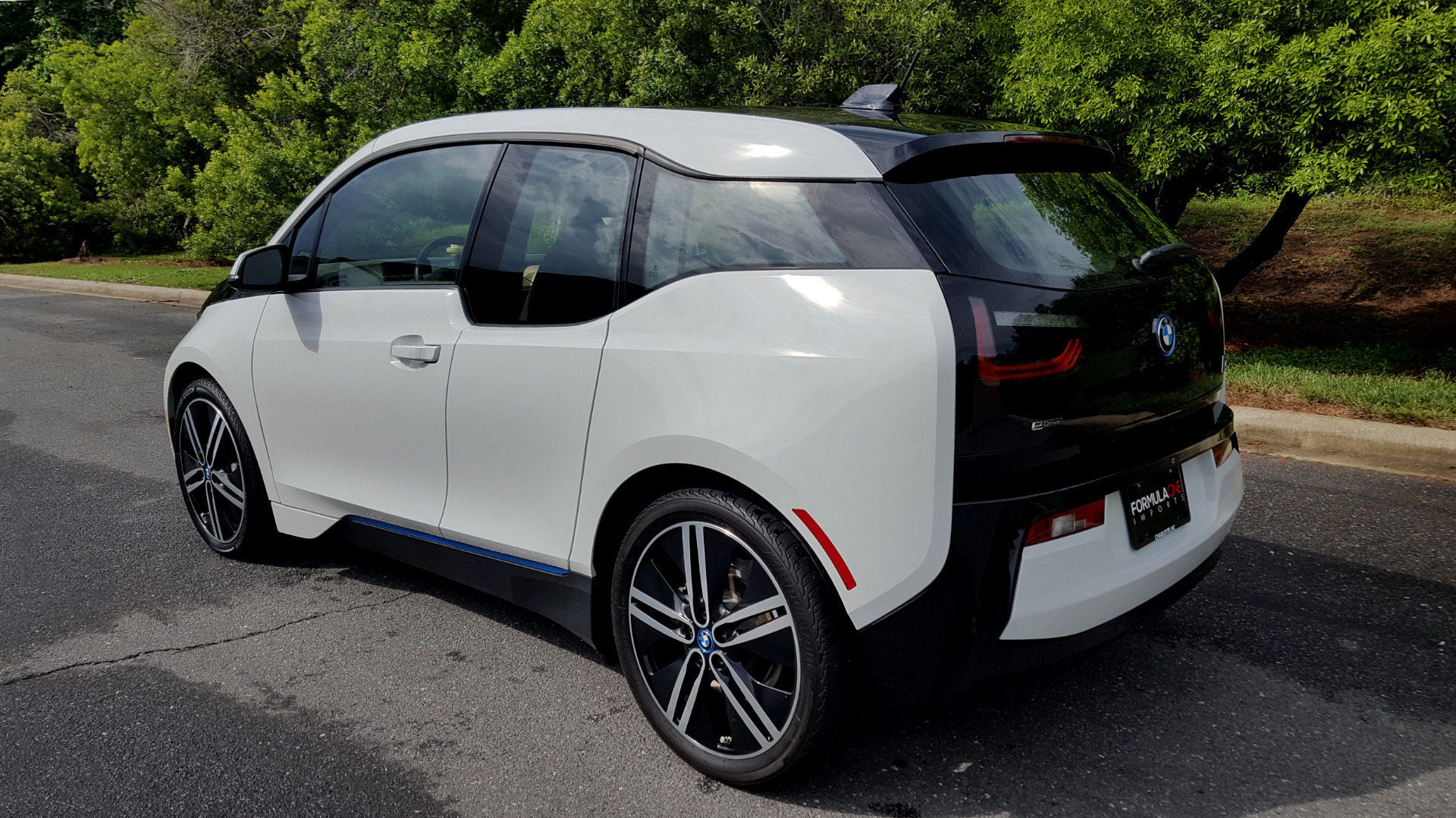 Used 2014 BMW i3 for sale Sold at Formula Imports in Charlotte NC 28227 3
