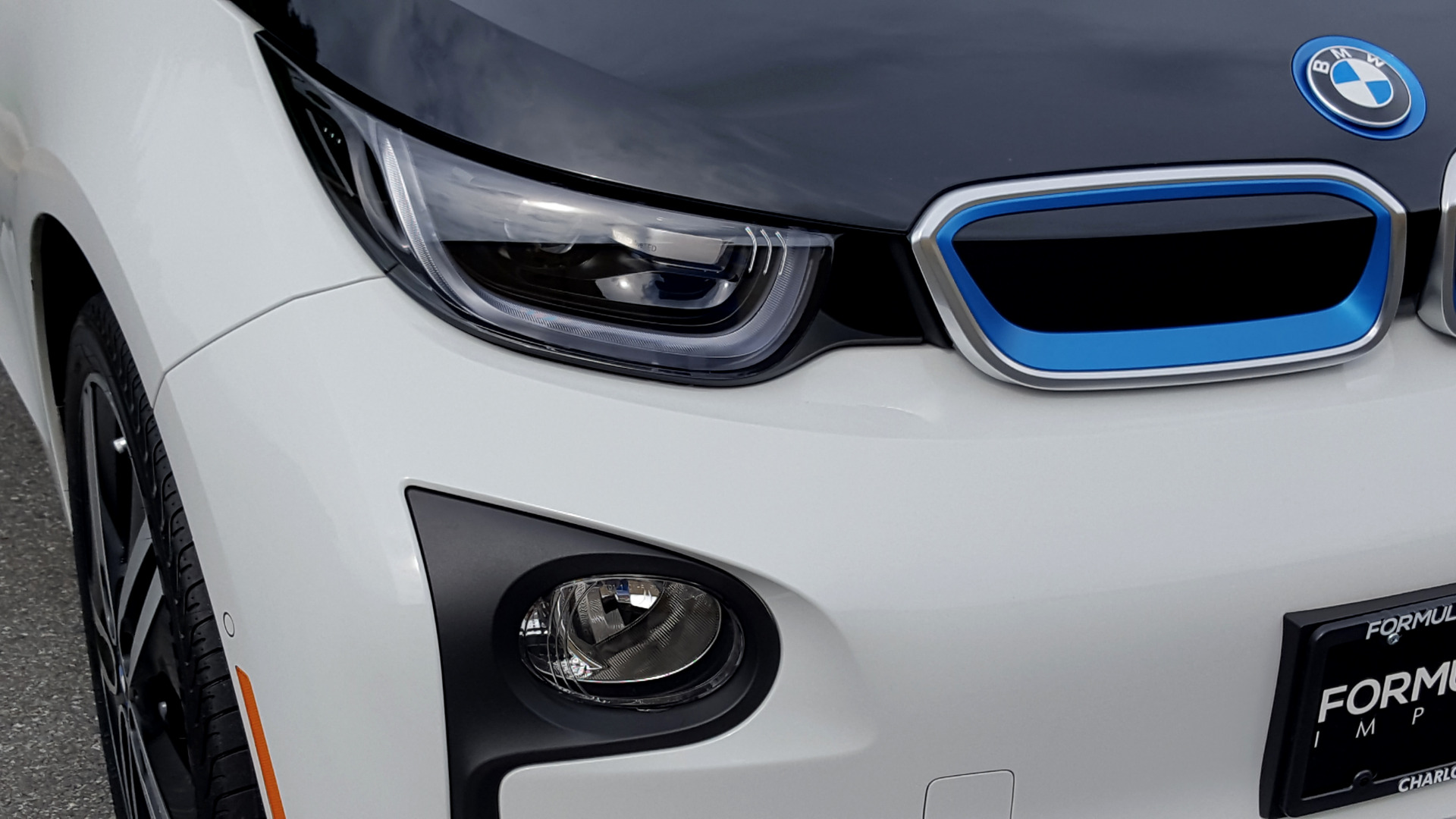 Used 2014 BMW i3 for sale Sold at Formula Imports in Charlotte NC 28227 37