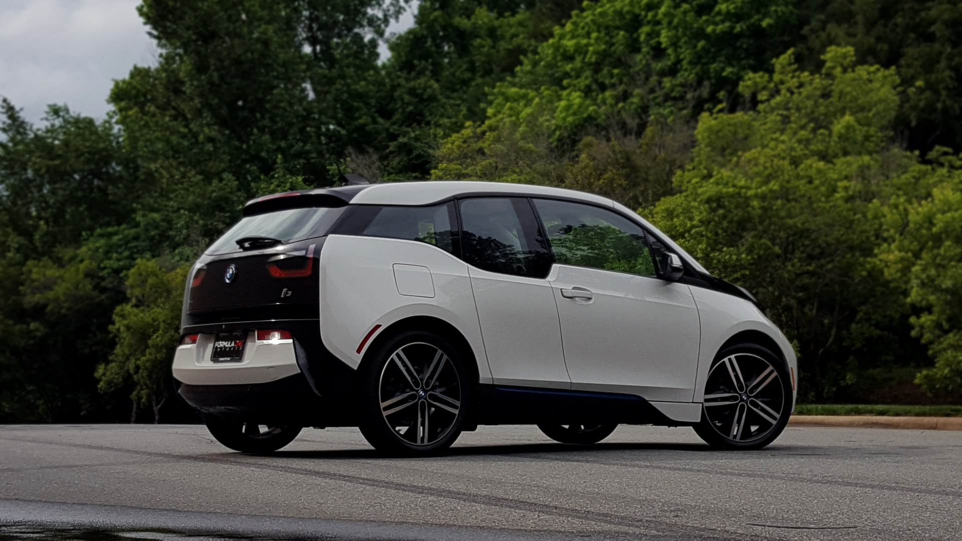 Used 2014 BMW i3 for sale Sold at Formula Imports in Charlotte NC 28227 43