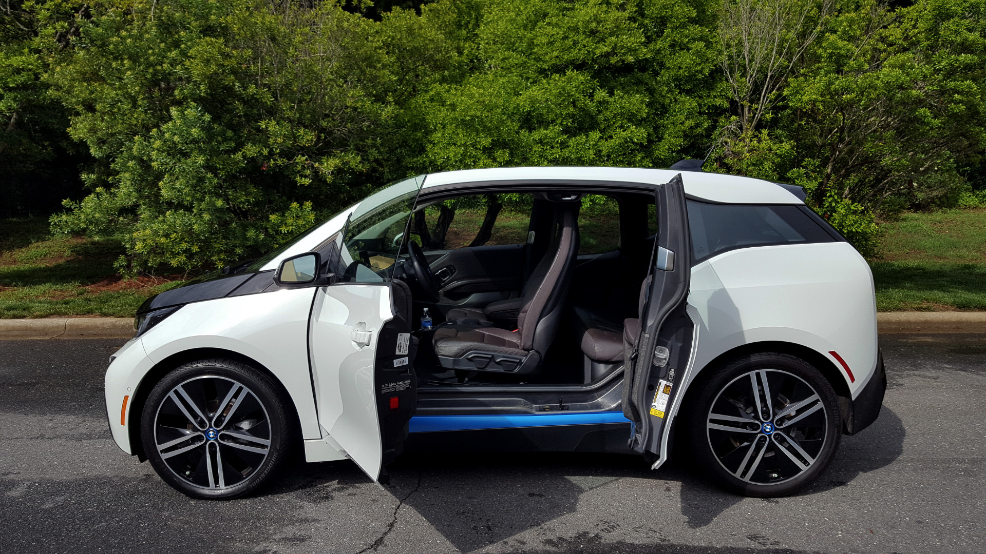 Used 2014 BMW i3 for sale Sold at Formula Imports in Charlotte NC 28227 9