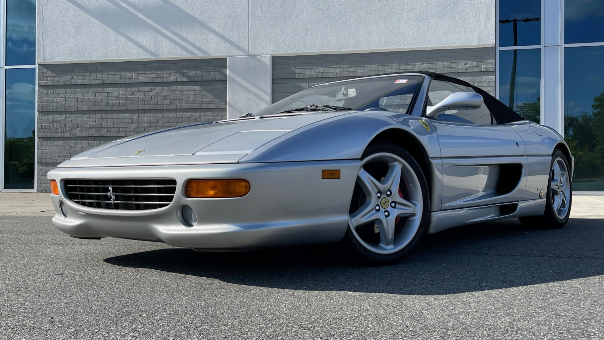Used 1999 Ferrari F355 SPIDER for sale $95,000 at Formula Imports in Charlotte NC 28227 16