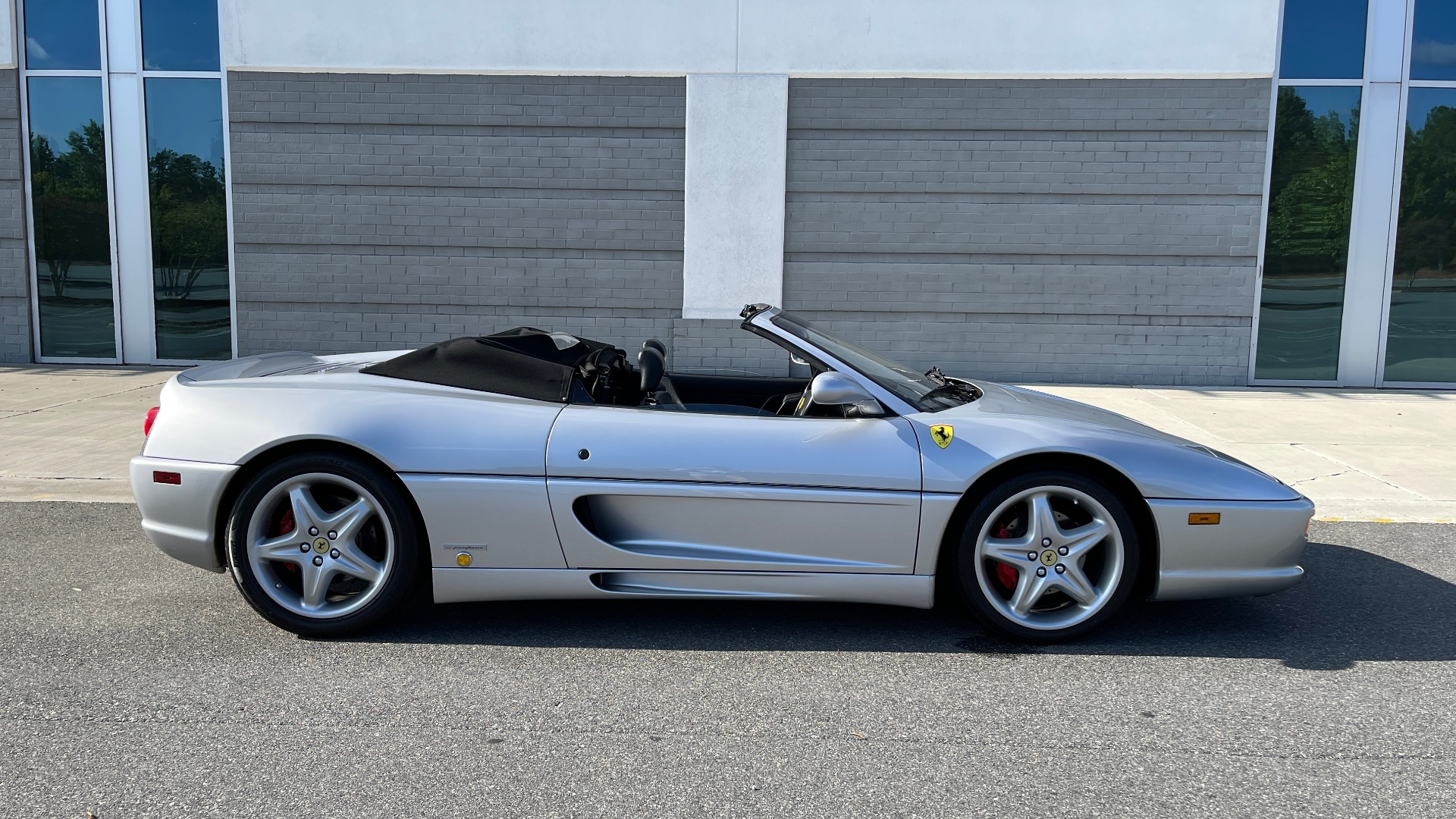 Used 1999 Ferrari F355 SPIDER for sale $95,000 at Formula Imports in Charlotte NC 28227 4