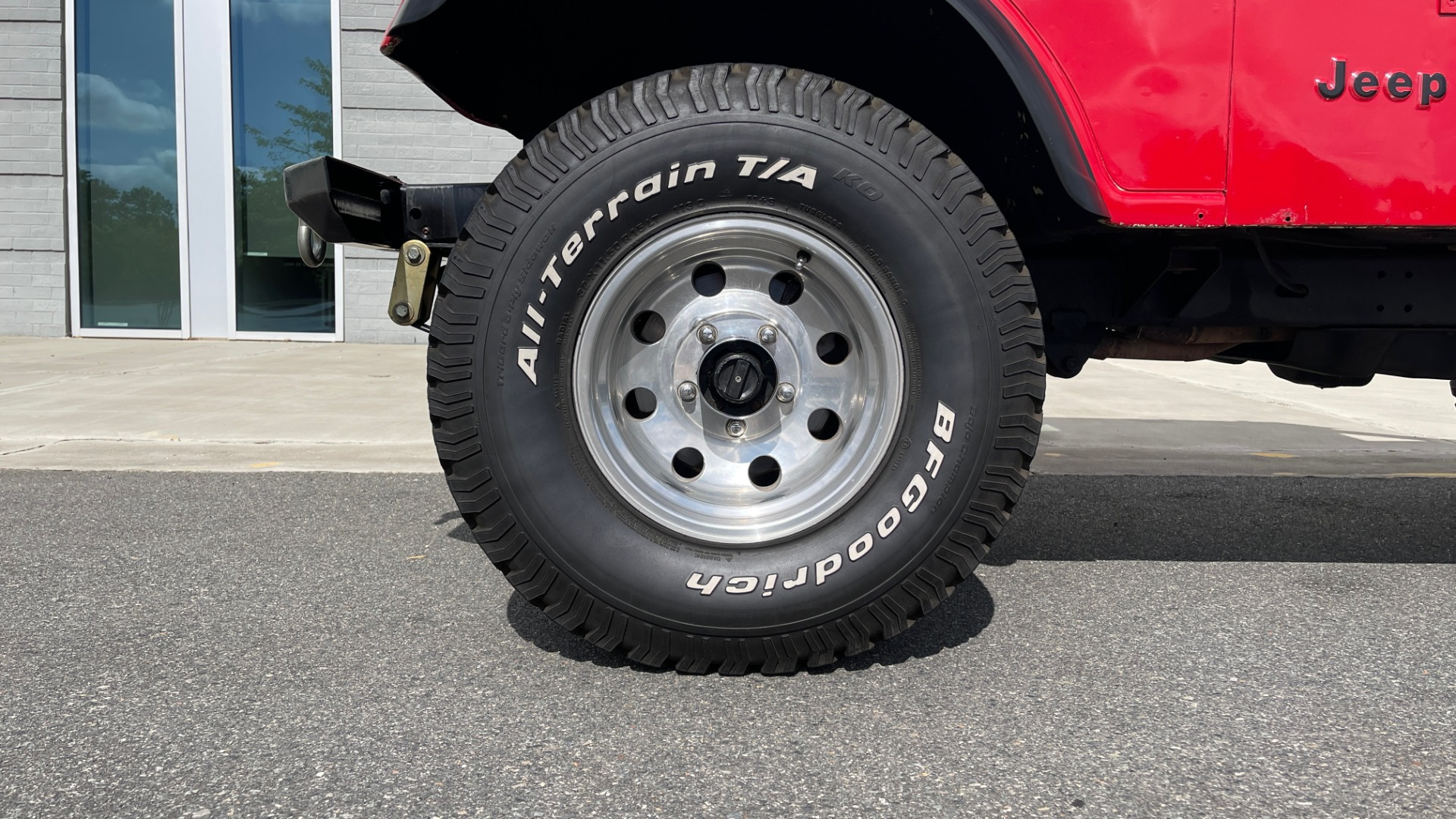 Used 1986 Jeep CJ-7 SOFT-TOP / 4X4 / 4.2L I6 / 5-SPEED MANUAL / HERTZ SPEAKERS / BFG TIRES for sale $20,999 at Formula Imports in Charlotte NC 28227 84