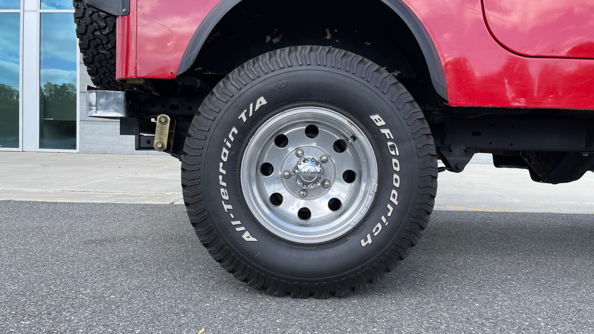 Used 1986 Jeep CJ-7 SOFT-TOP / 4X4 / 4.2L I6 / 5-SPEED MANUAL / HERTZ SPEAKERS / BFG TIRES for sale $20,999 at Formula Imports in Charlotte NC 28227 86