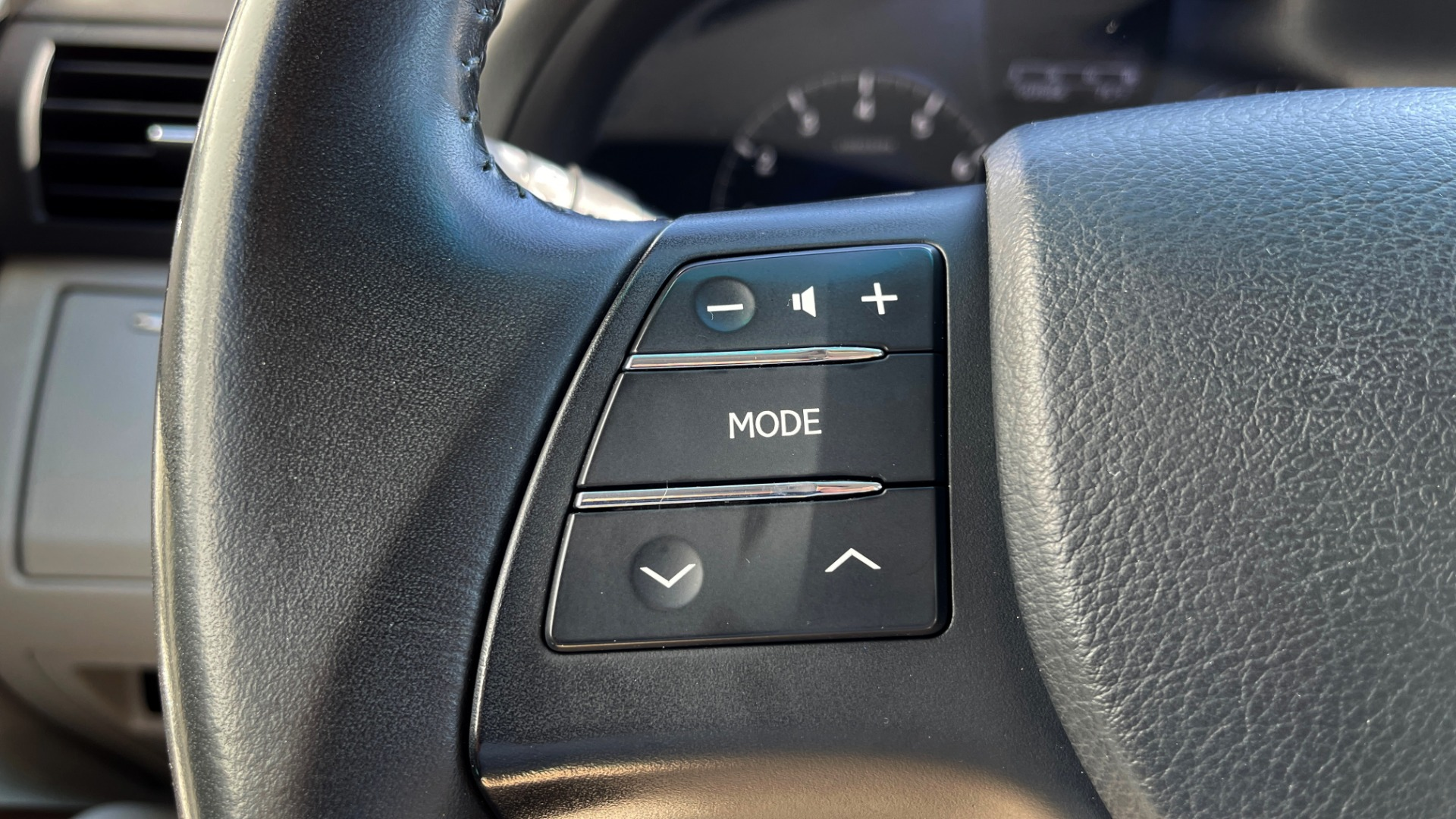Used 2011 Lexus RX 350 PREMIUM / TOWING PREP PKG / VENTILATED STS / SUNROOF / REARVIEW for sale Sold at Formula Imports in Charlotte NC 28227 31