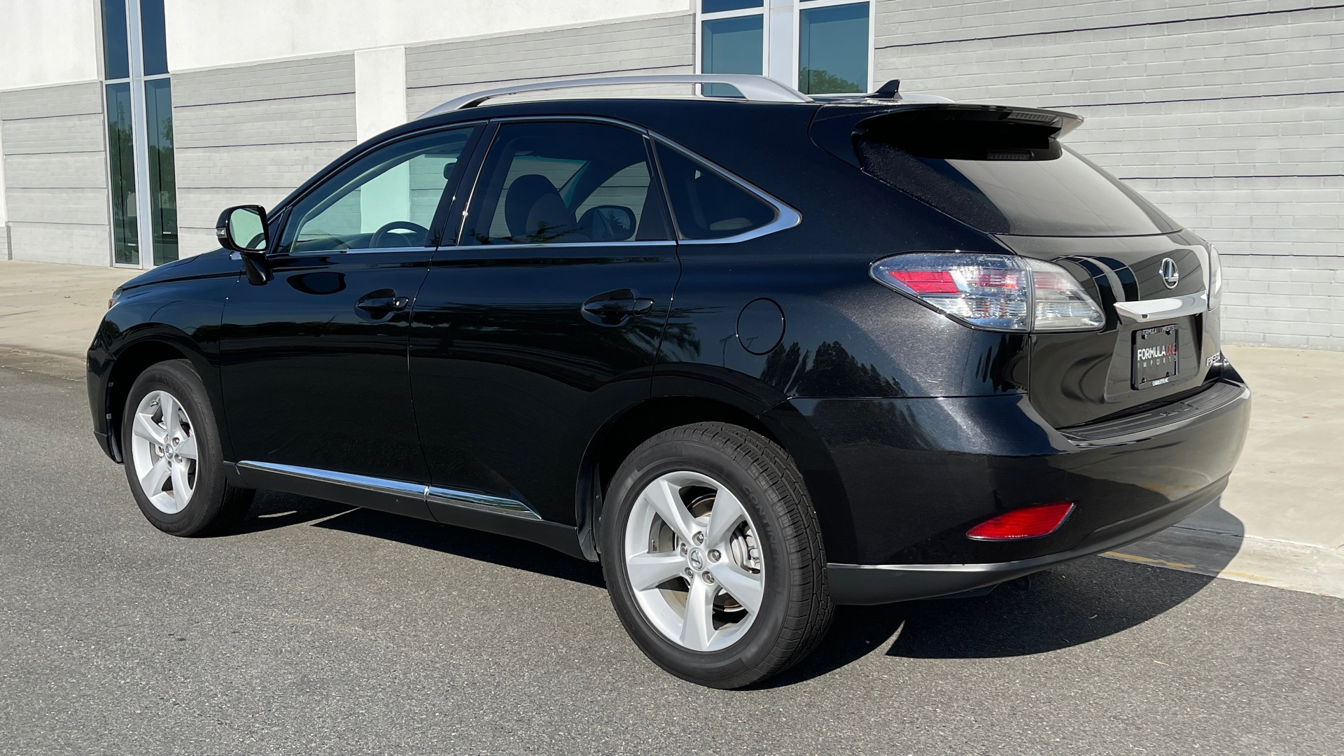 Used 2011 Lexus RX 350 PREMIUM / TOWING PREP PKG / VENTILATED STS / SUNROOF / REARVIEW for sale Sold at Formula Imports in Charlotte NC 28227 4