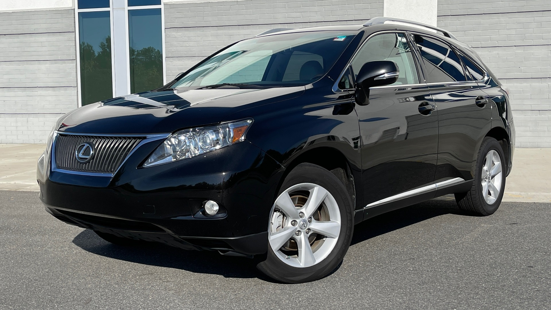 Used 2011 Lexus RX 350 PREMIUM / TOWING PREP PKG / VENTILATED STS / SUNROOF / REARVIEW for sale Sold at Formula Imports in Charlotte NC 28227 1
