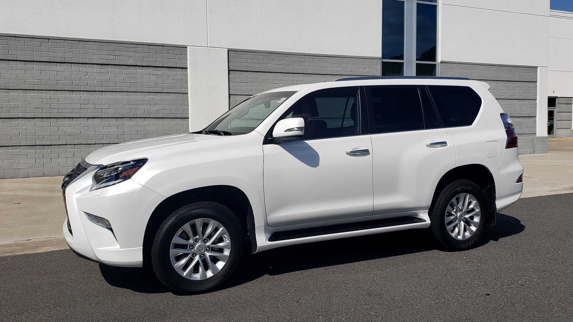 Used 2021 Lexus GX 460 PREMIUM / AWD / NAV / SUNROOF / 3-ROW / REARVIEW for sale Sold at Formula Imports in Charlotte NC 28227 3