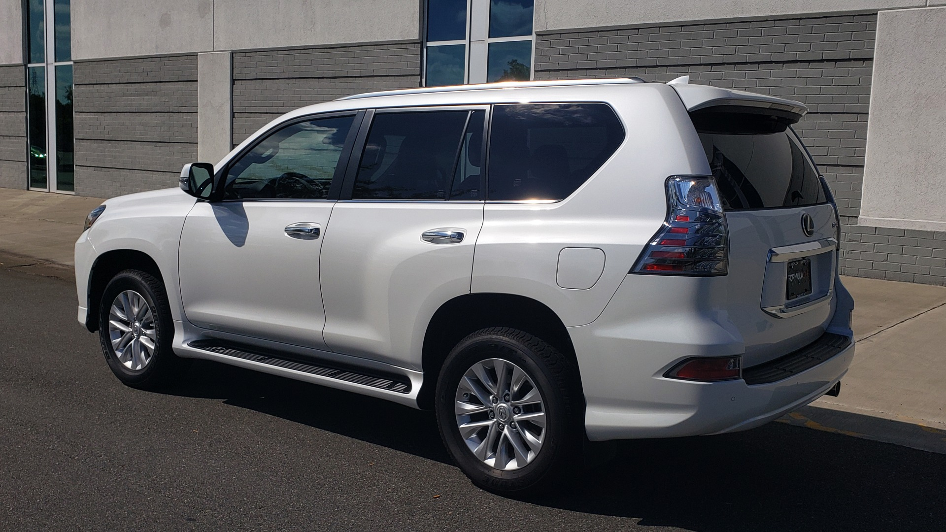Used 2021 Lexus GX 460 PREMIUM / AWD / NAV / SUNROOF / 3-ROW / REARVIEW for sale Sold at Formula Imports in Charlotte NC 28227 5