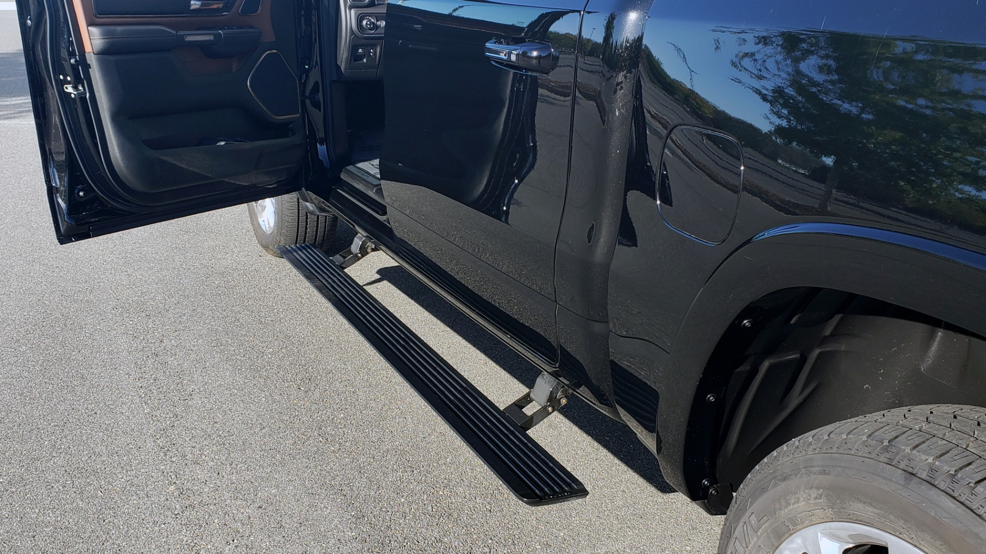 Used 2021 Ram 1500 LONGHORN LIMITED 4X4 / 5.7L HEMI / CREWCAB / H/K SND / PANO-ROOF / REARVIEW for sale $65,999 at Formula Imports in Charlotte NC 28227 10