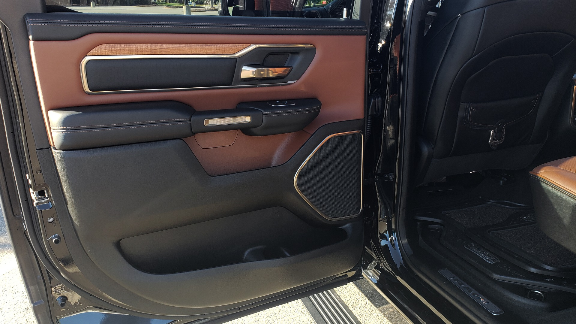 Used 2021 Ram 1500 LONGHORN LIMITED 4X4 / 5.7L HEMI / CREWCAB / H/K SND / PANO-ROOF / REARVIEW for sale $65,999 at Formula Imports in Charlotte NC 28227 54