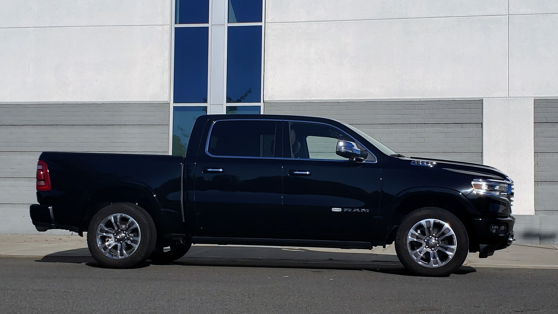 Used 2021 Ram 1500 LONGHORN LIMITED 4X4 / 5.7L HEMI / CREWCAB / H/K SND / PANO-ROOF / REARVIEW for sale $65,999 at Formula Imports in Charlotte NC 28227 7