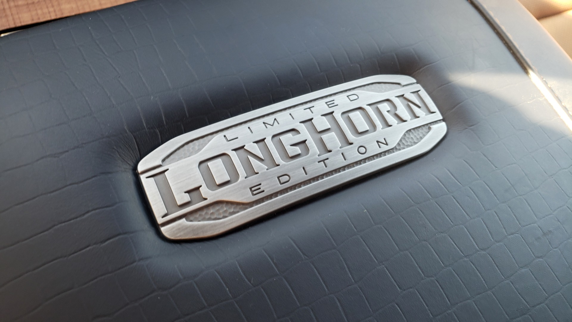 Used 2021 Ram 1500 LONGHORN LIMITED 4X4 / 5.7L HEMI / CREWCAB / H/K SND / PANO-ROOF / REARVIEW for sale $65,999 at Formula Imports in Charlotte NC 28227 89