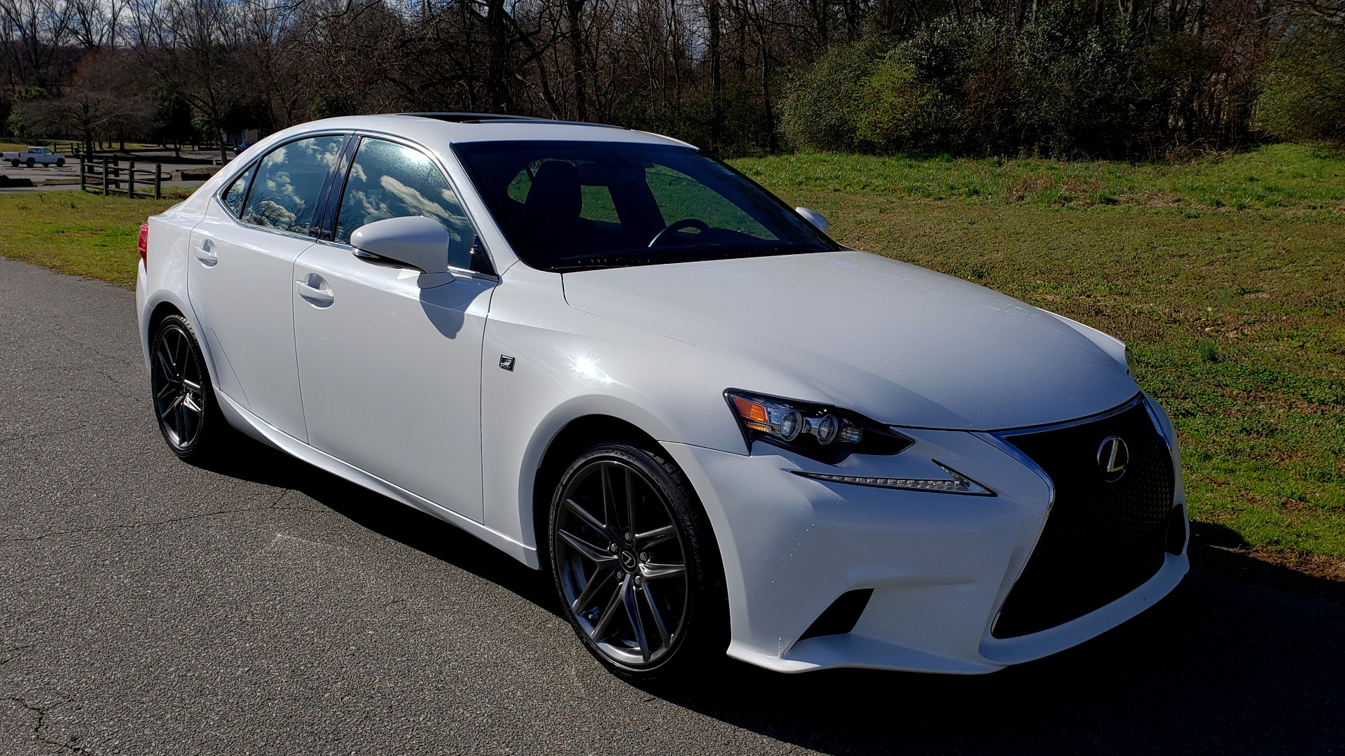 Used 2014 Lexus IS 250 F-SPORT / NAV / SUNROOF / REARVIEW / BSM for sale Sold at Formula Imports in Charlotte NC 28227 4