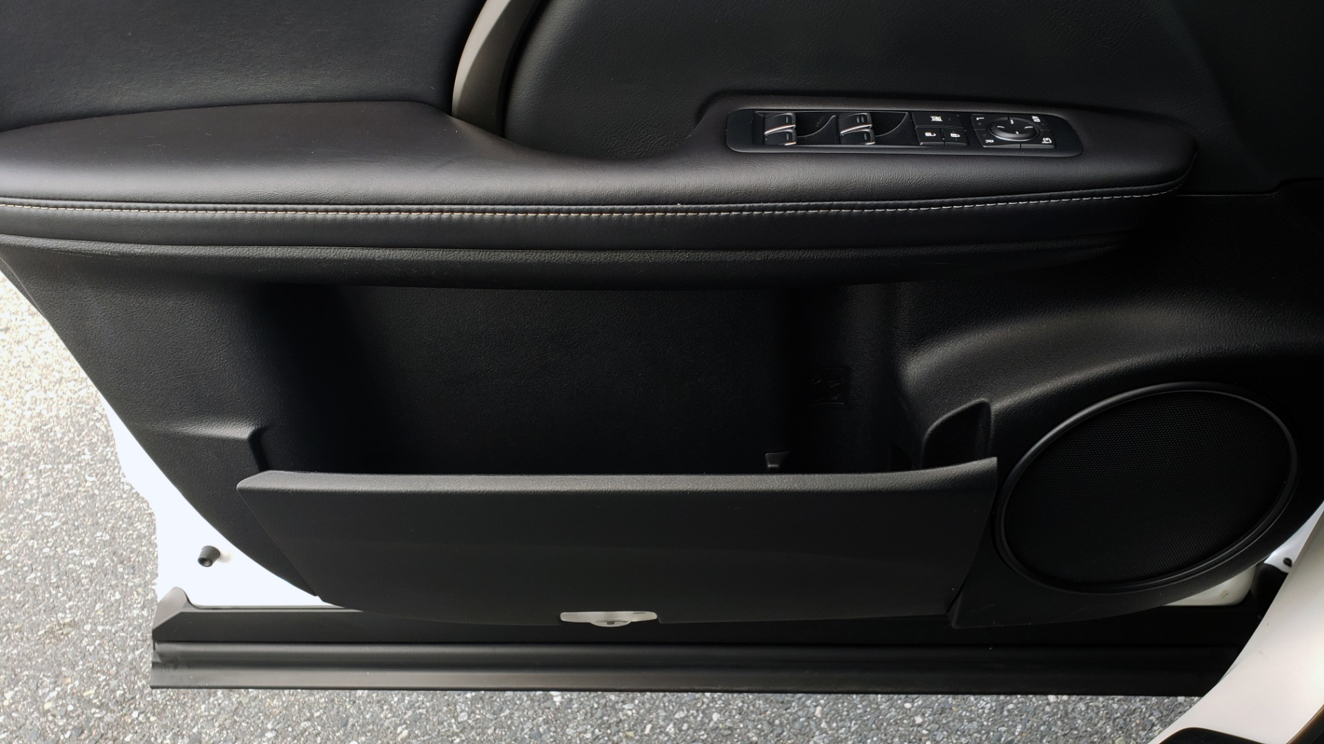 Used 2017 Lexus RX 350 PREMIUM / BSM / SNRF / VENT SEATS / REARVIEW for sale Sold at Formula Imports in Charlotte NC 28227 33